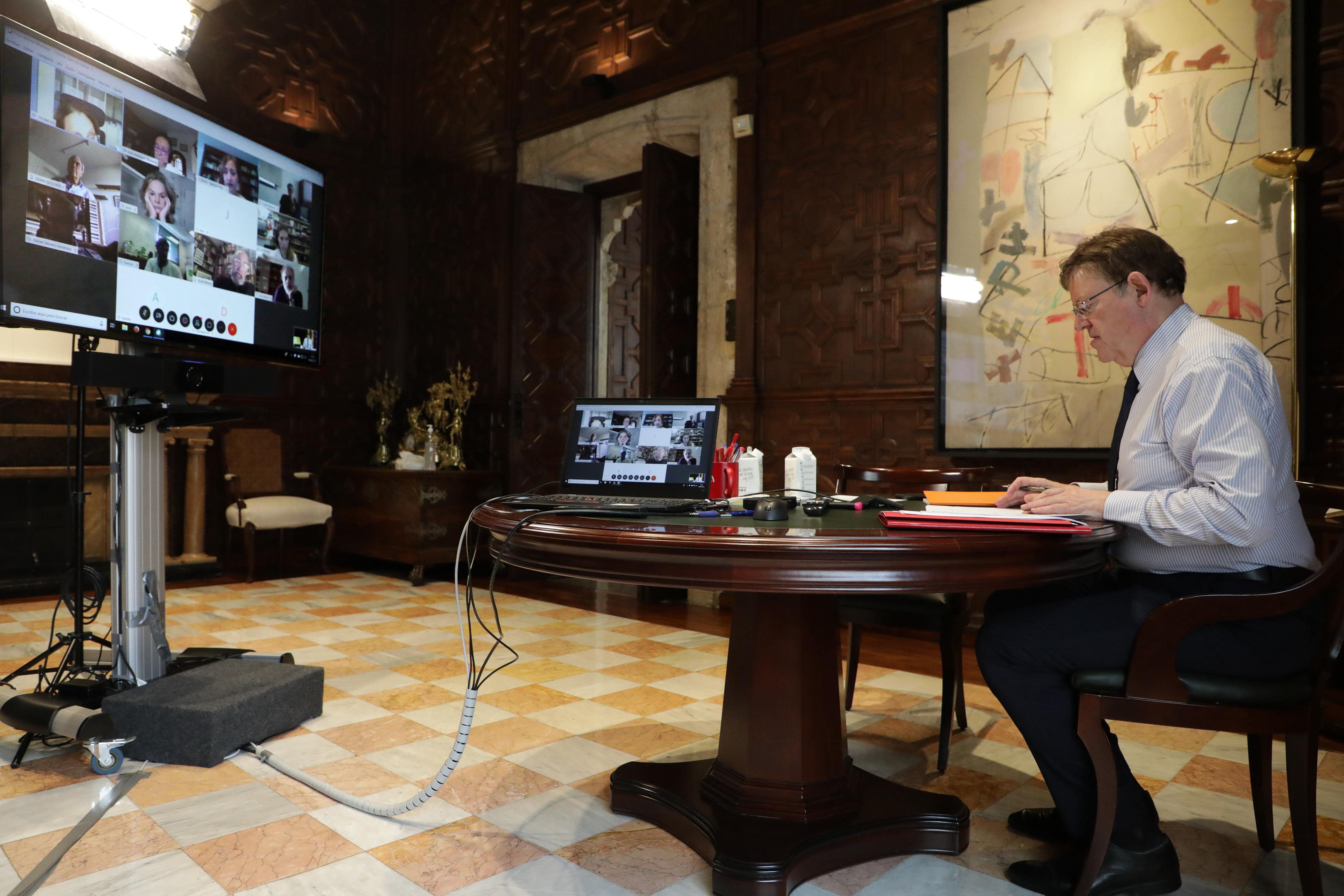 Ximo Puig se reúne con personas expertas para analizar la pandemia de COVID-19 y el final del proceso de desescalada en la Comunitat Valenciana