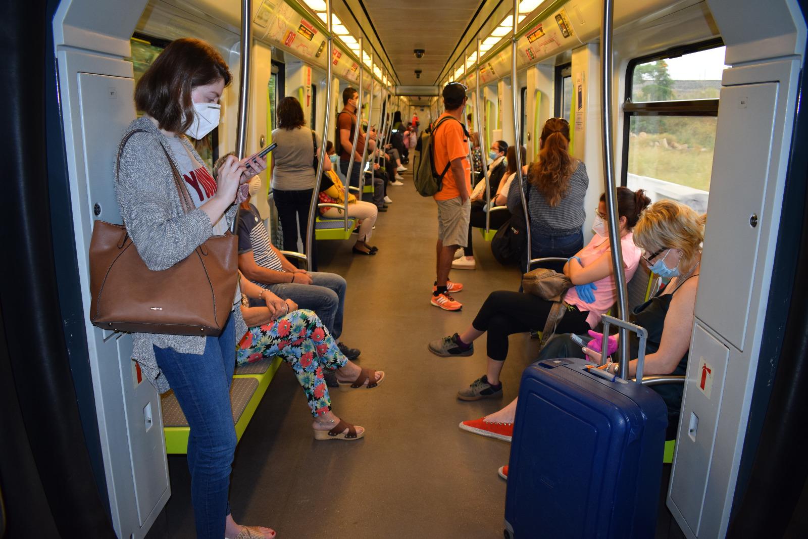 Les principals persones usuàries de Metrovalencia durant la desescalada pertanyen als sectors sanitari, comerç i de la llar