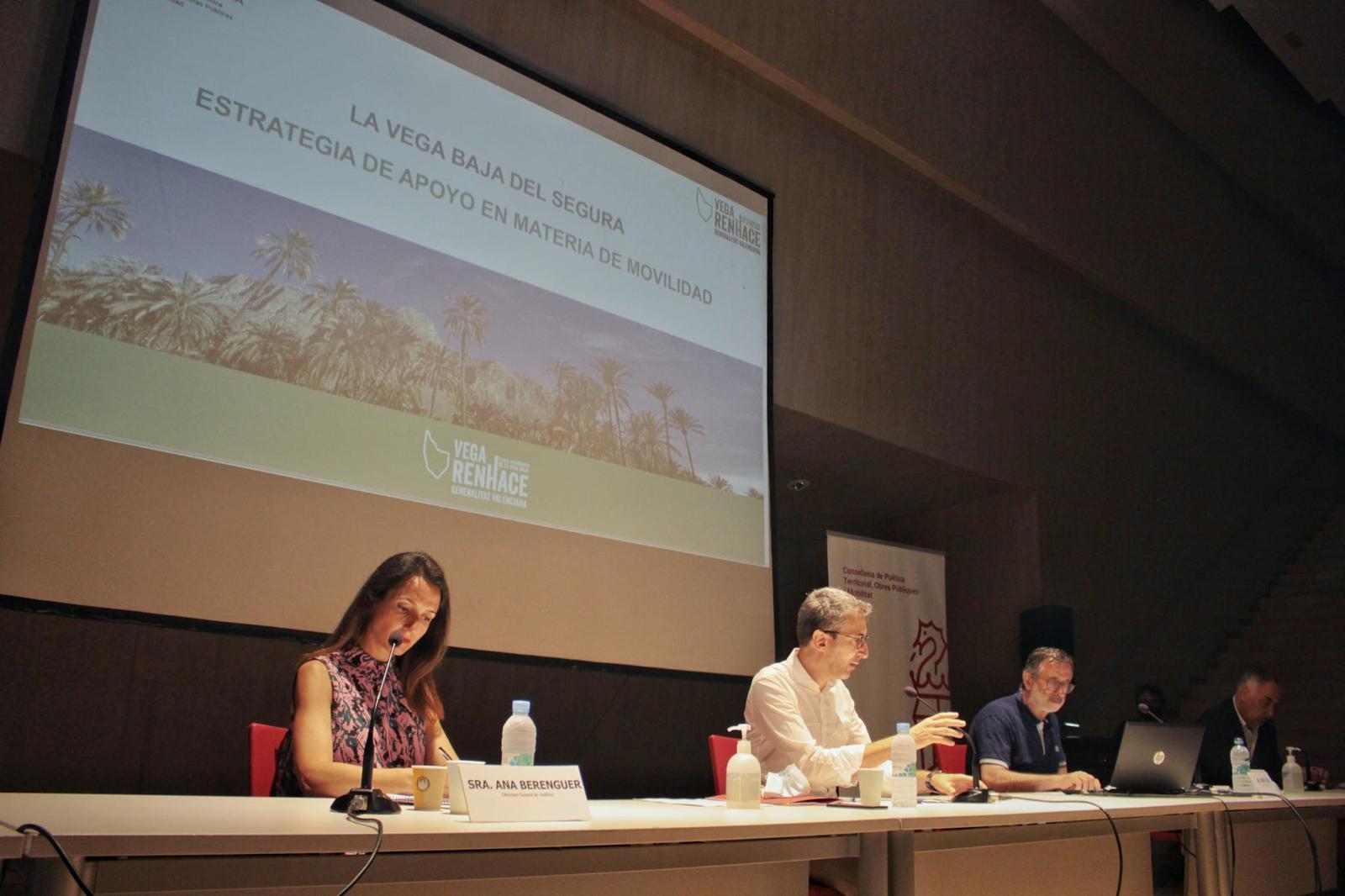 Arcadi España analitza el futur de les infraestructures del Baix Segura amb els alcaldes de la comarca