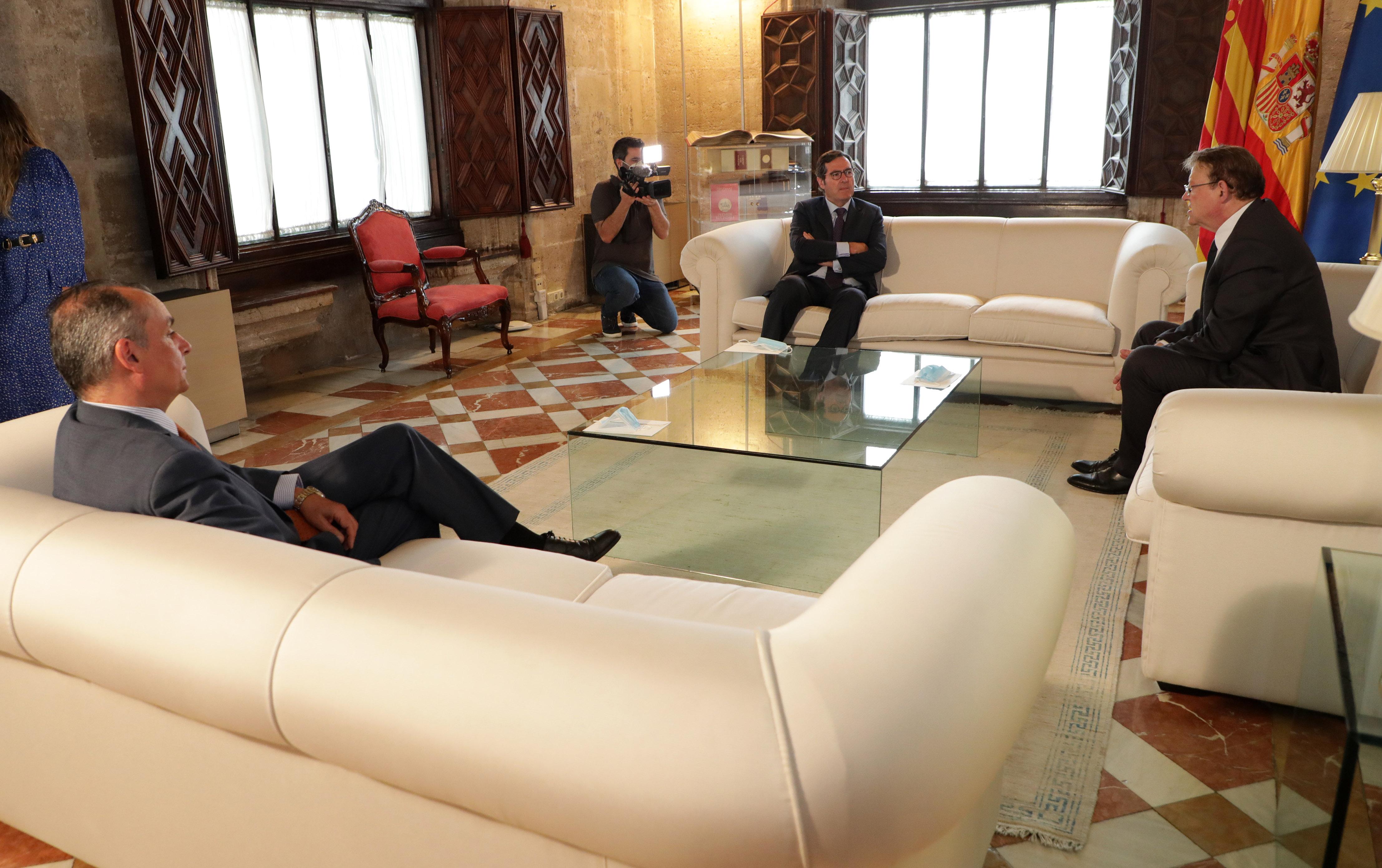 """Ximo Puig destaca la importancia del """"diálogo social"""" para consolidar la recuperación económica"""