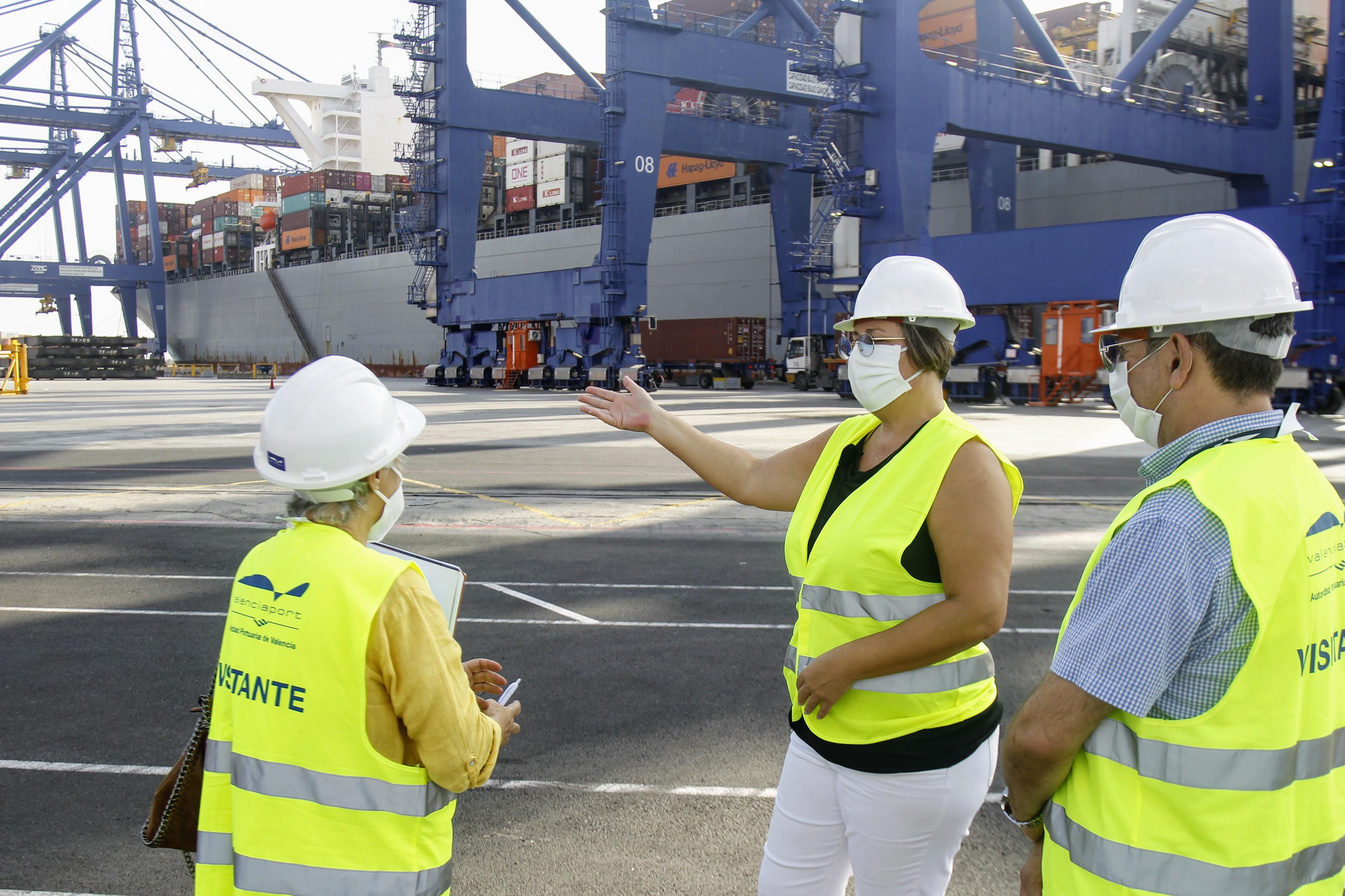 La Generalitat adquireix més de 77 milions de productes sanitaris via marítima carregats en 60 contenidors i garanteix les necessitats dels sis me...