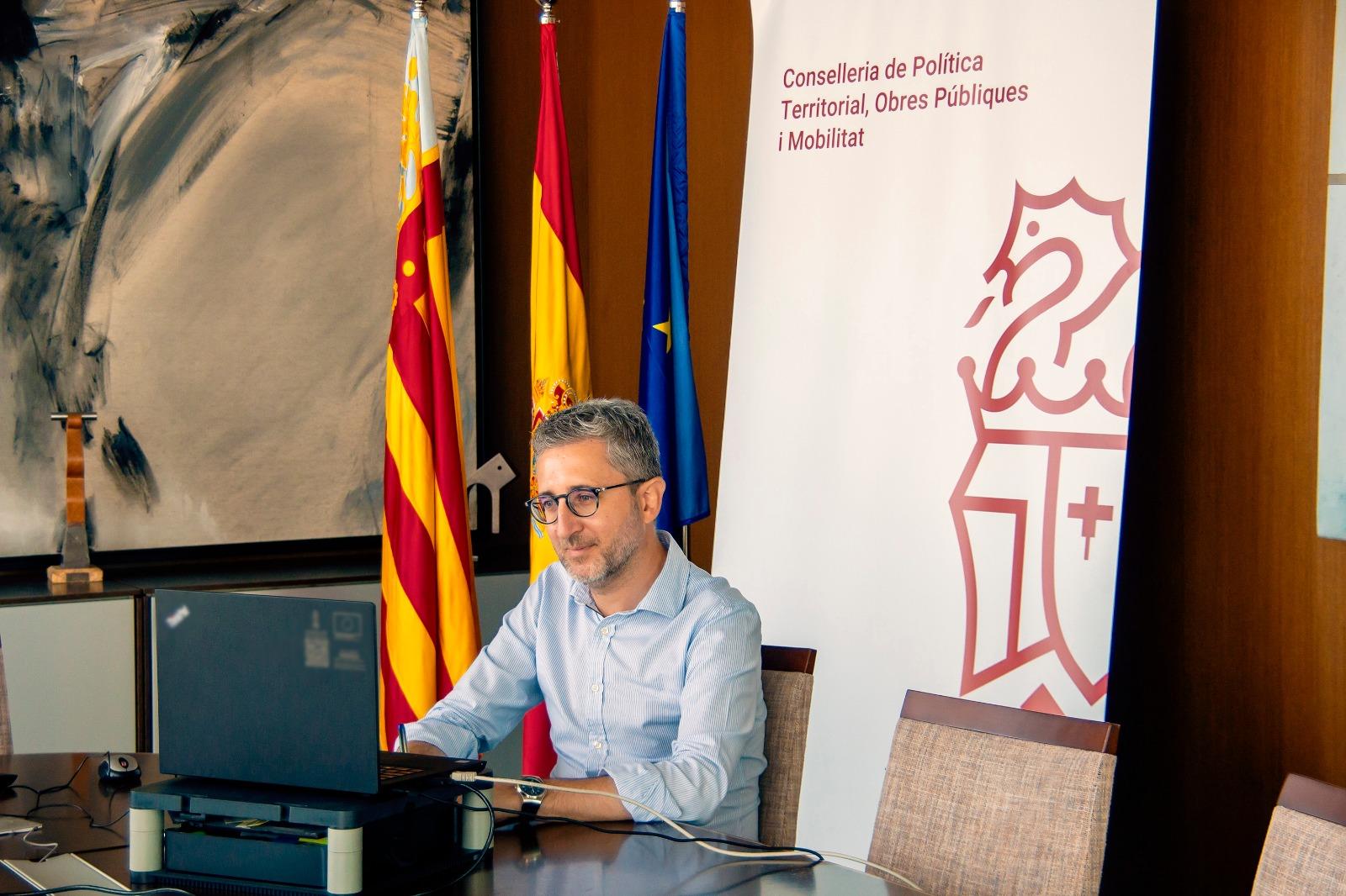 """Arcadi España: """"La reordenación territorial protege nuestro entorno y fomenta la recuperación económica a través de la regularización de las vivie..."""