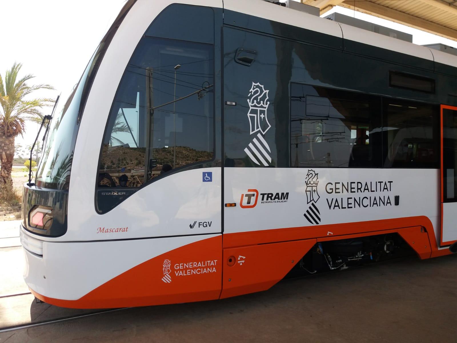 """La Generalitat pone en servicio los nuevos trenes duales incorporados al TRAM d""""Alacant"""