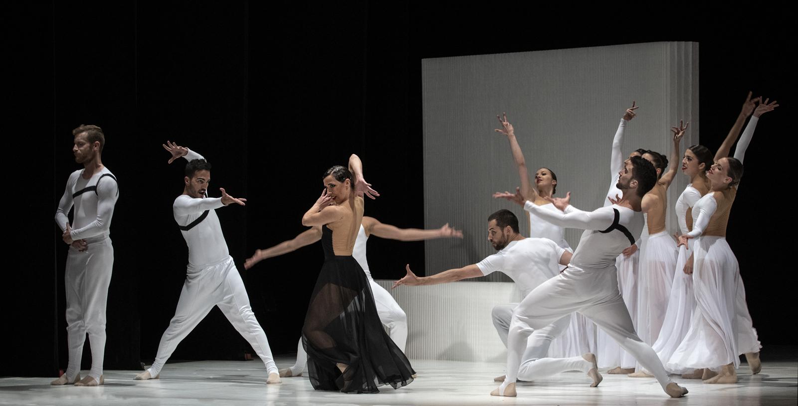 """El festival """"Sagunt a Escena"""" presenta el espectáculo de danza """"CARMEN.maquia"""" en el Teatro Romano de Sagunto"""