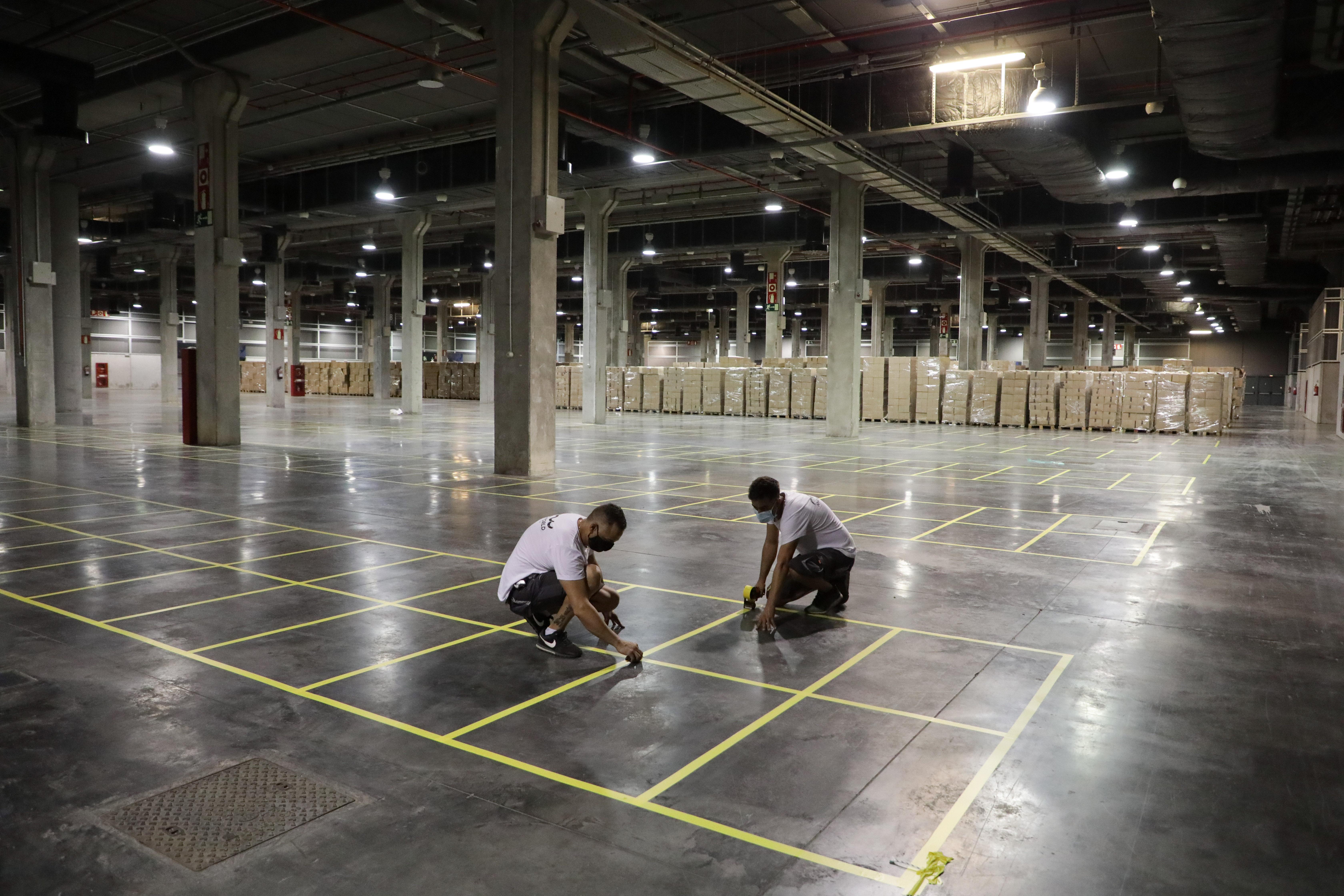 La Generalitat amplía y mejora la capacidad de almacenamiento y la operatividad del centro logístico para el suministro de material sanitario en l...