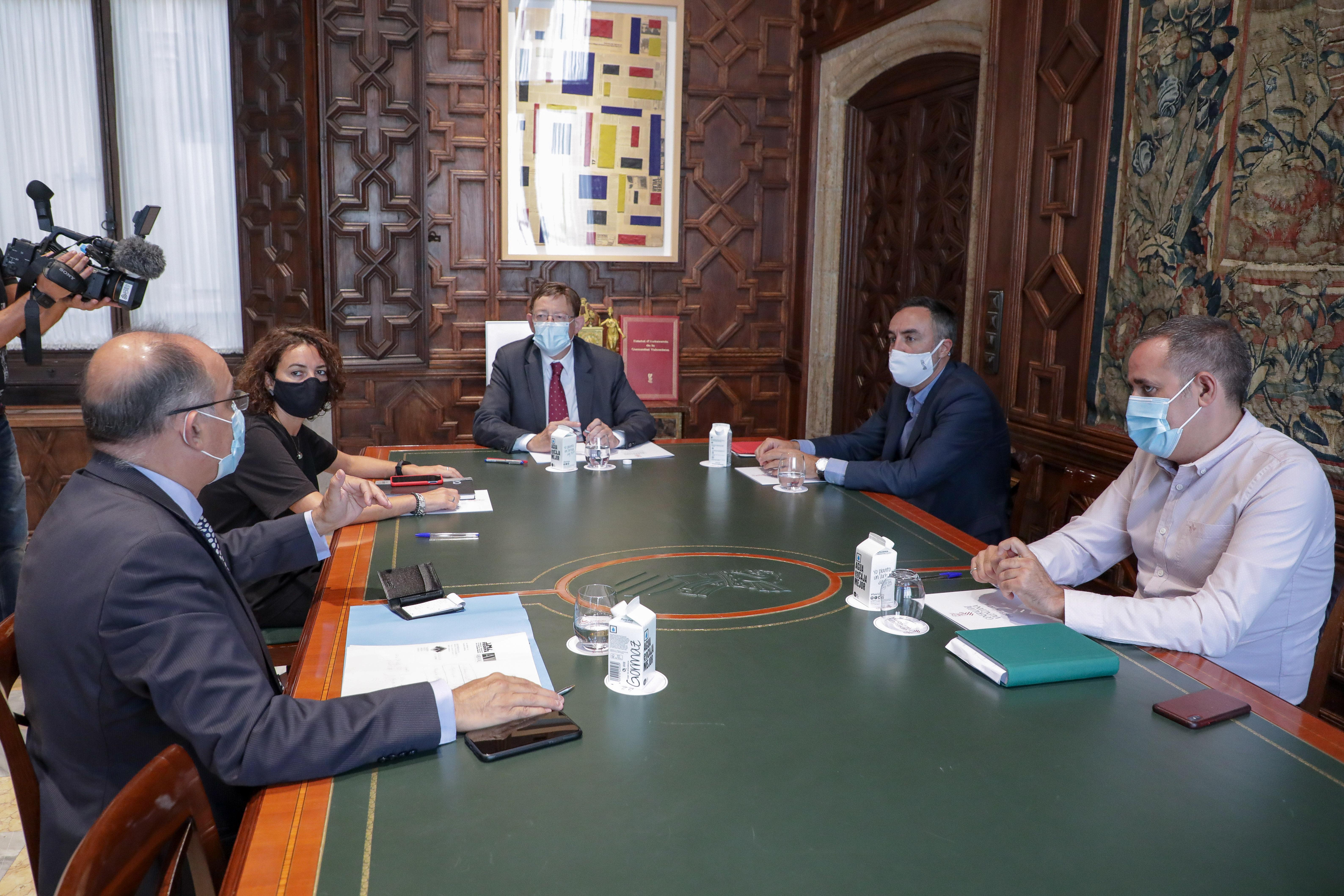 """Ximo Puig es reuneix amb la delegació que ha traslladat al Govern central els projectes de l""""Estratègia valenciana de recuperació davant del repte..."""