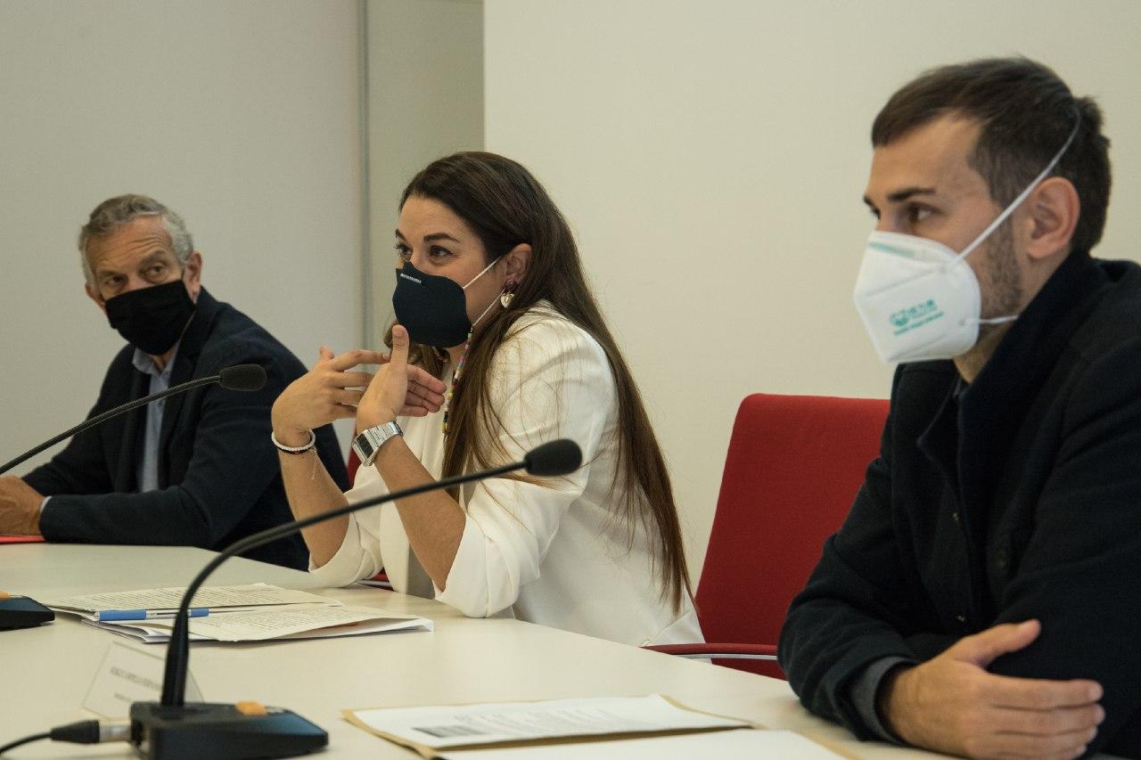 """Mireia Mollà presenta un projecte pioner que redueix a zero el vidre amb destinació a abocador de l""""àrea metropolitana de València"""