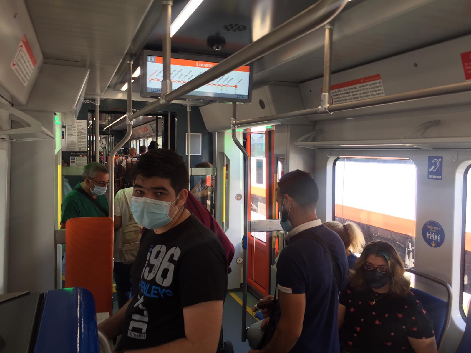 """Más de la mitad de las personas usuarias del TRAM d""""Alacant viaja por motivos de trabajo o estudios"""