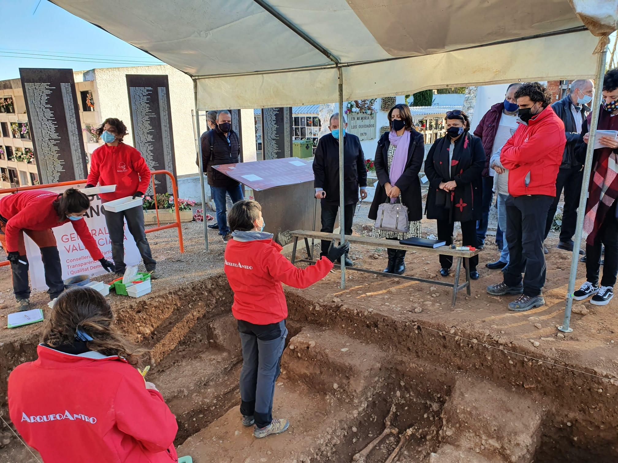 """La Generalitat inicia l""""exhumació en el cementeri de Castelló de 18 represaliats per la dictadura franquista"""