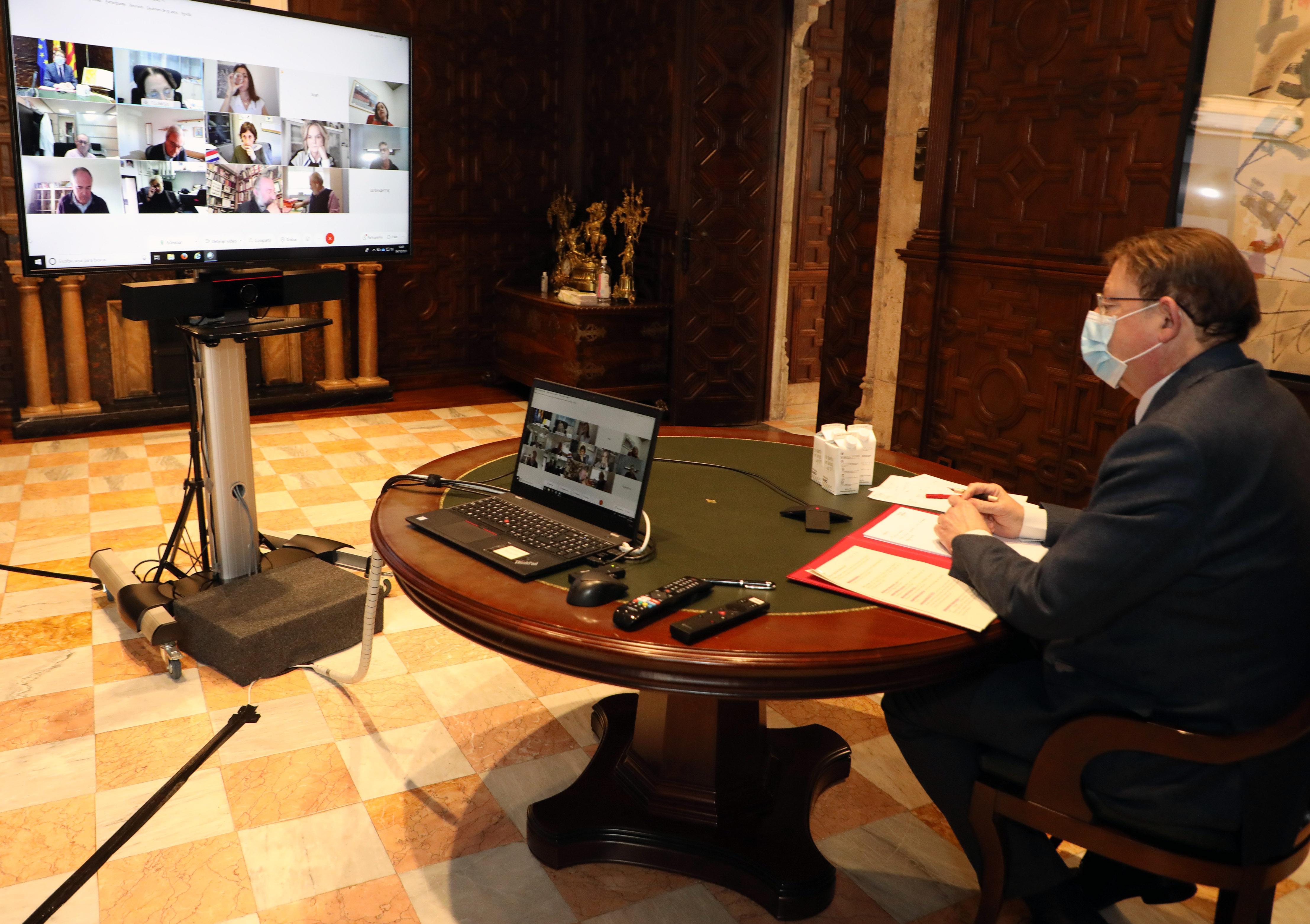 """Ximo Puig manté una reunió amb persones expertes per a abordar l""""evolució de la pandèmia de coronavirus a la Comunitat Valenciana"""