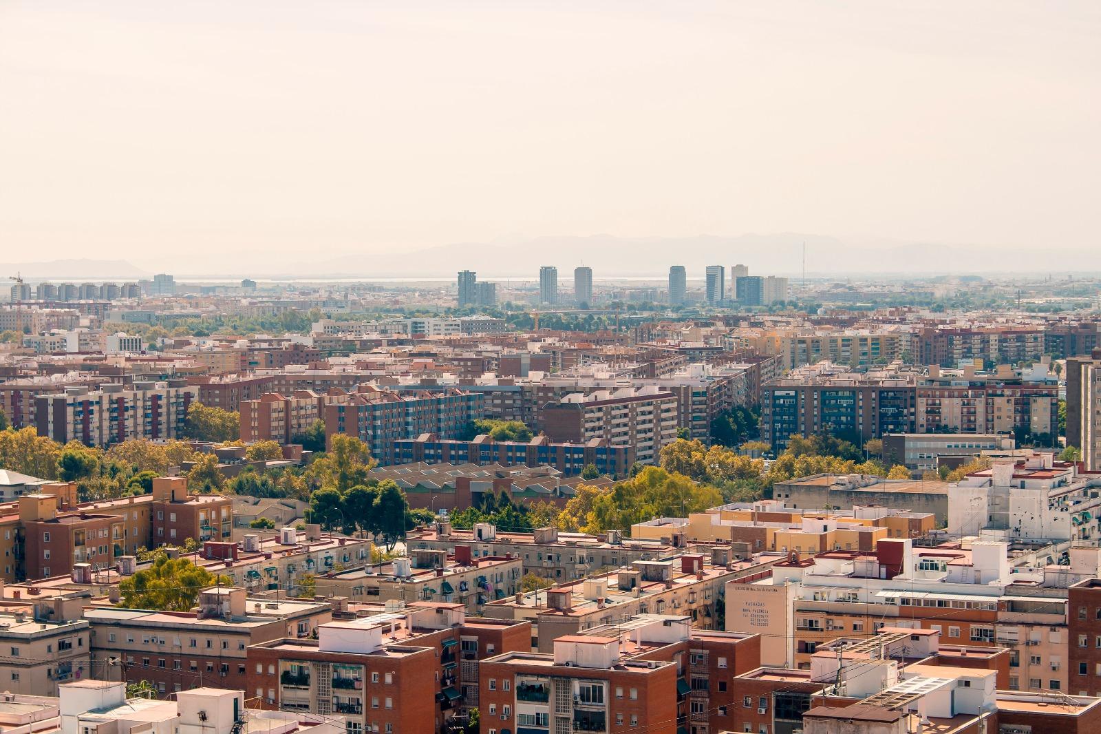 Un panel de 50 expertos y expertas ha elaborado el documento base para la redacción participada de la Agenda Urbana Valenciana