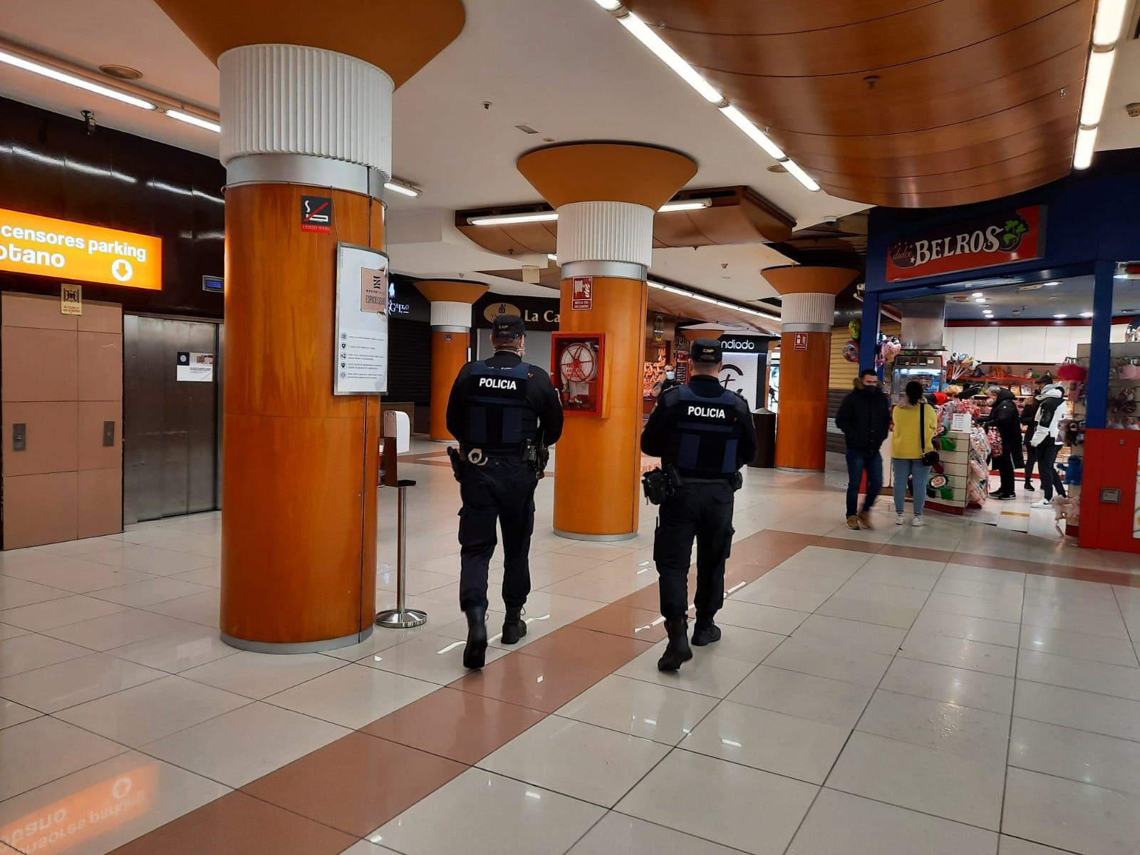 La Policía de la Generalitat inspecciona 78 locales y cierra 3 por incumplir las medidas higiénico-sanitarias