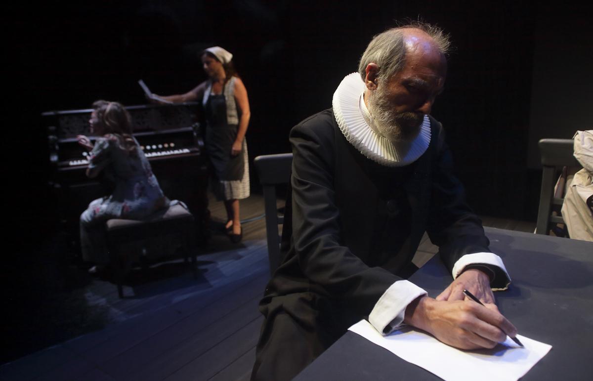 """La producció de l""""IVC """"Dinamarca"""" torna a València de la mà del Teatre Rialto"""
