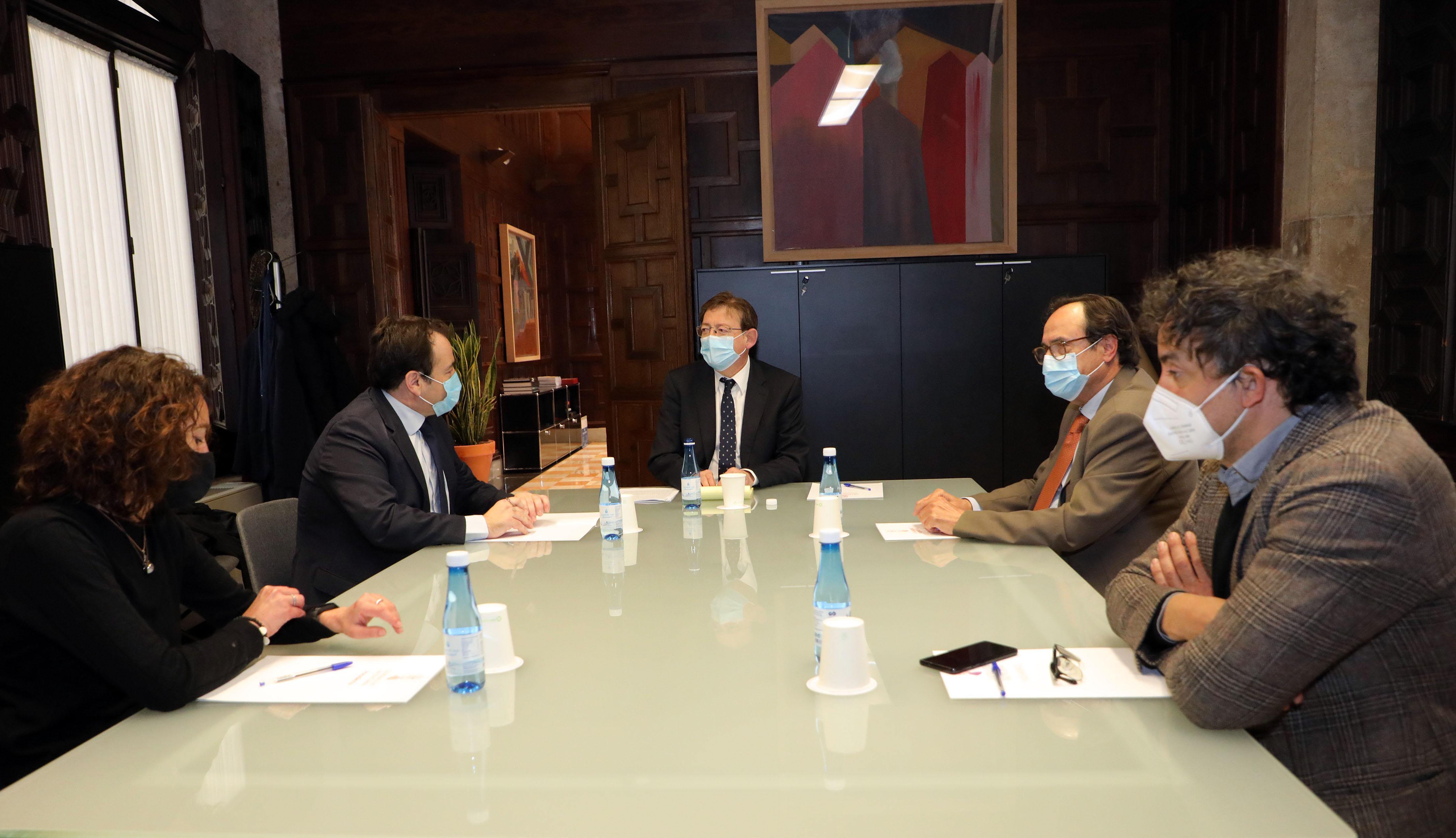 """Ximo Puig anuncia la posada en marxa de les primeres ajudes del pla """"Resisteix"""", que facilita a les empreses més afectades per la crisi préstecs d..."""
