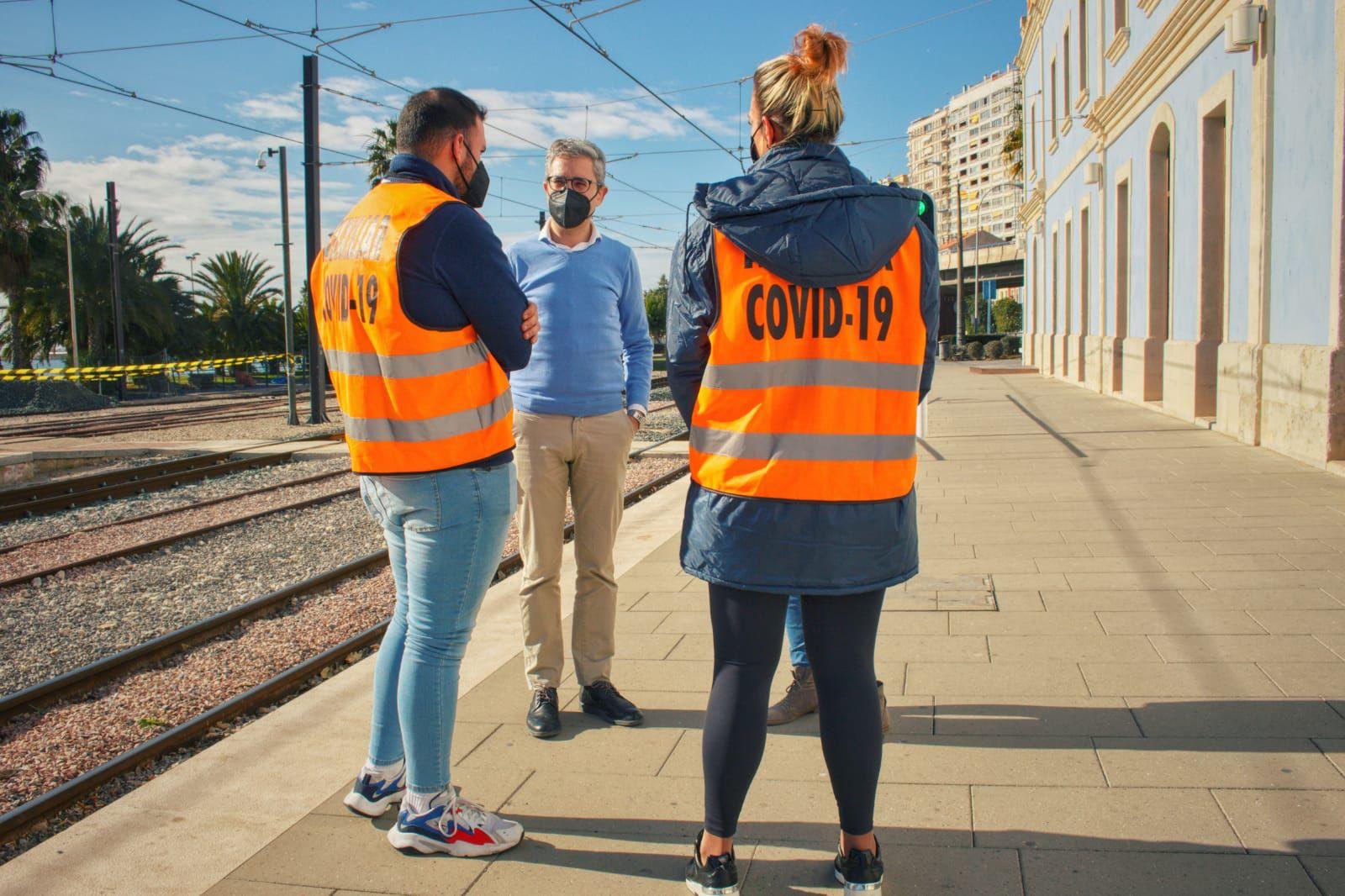 """La Generalitat refuerza las medidas de seguridad y prevención en el TRAM d""""Alacant con la incorporación de auxiliares COVID-19"""