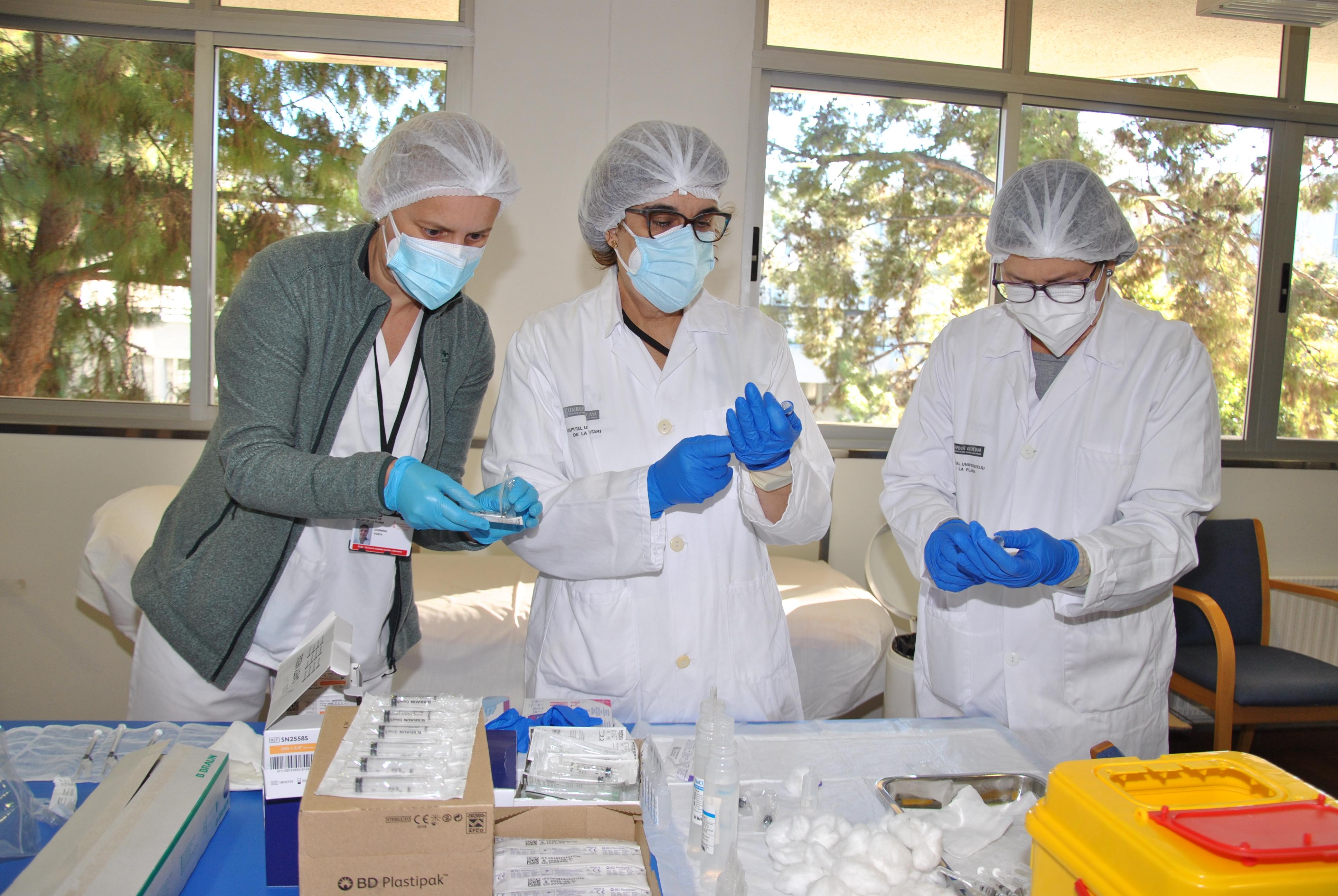 Sanitat rebrà al març més de 270.000 dosis de la vacuna de Pfizer contra el coronavirus