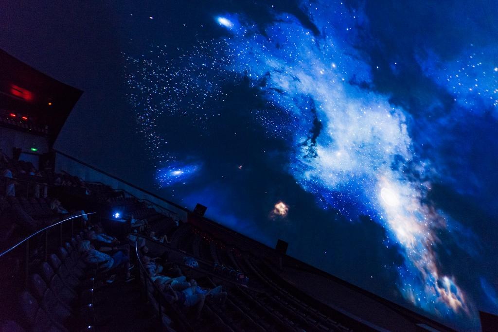 """Els dissabtes l""""Hemisfèric ofereix des d""""aquest dissabte els planetaris """"Astromenuts"""" i """"Les Nocturnes d""""hivern"""""""