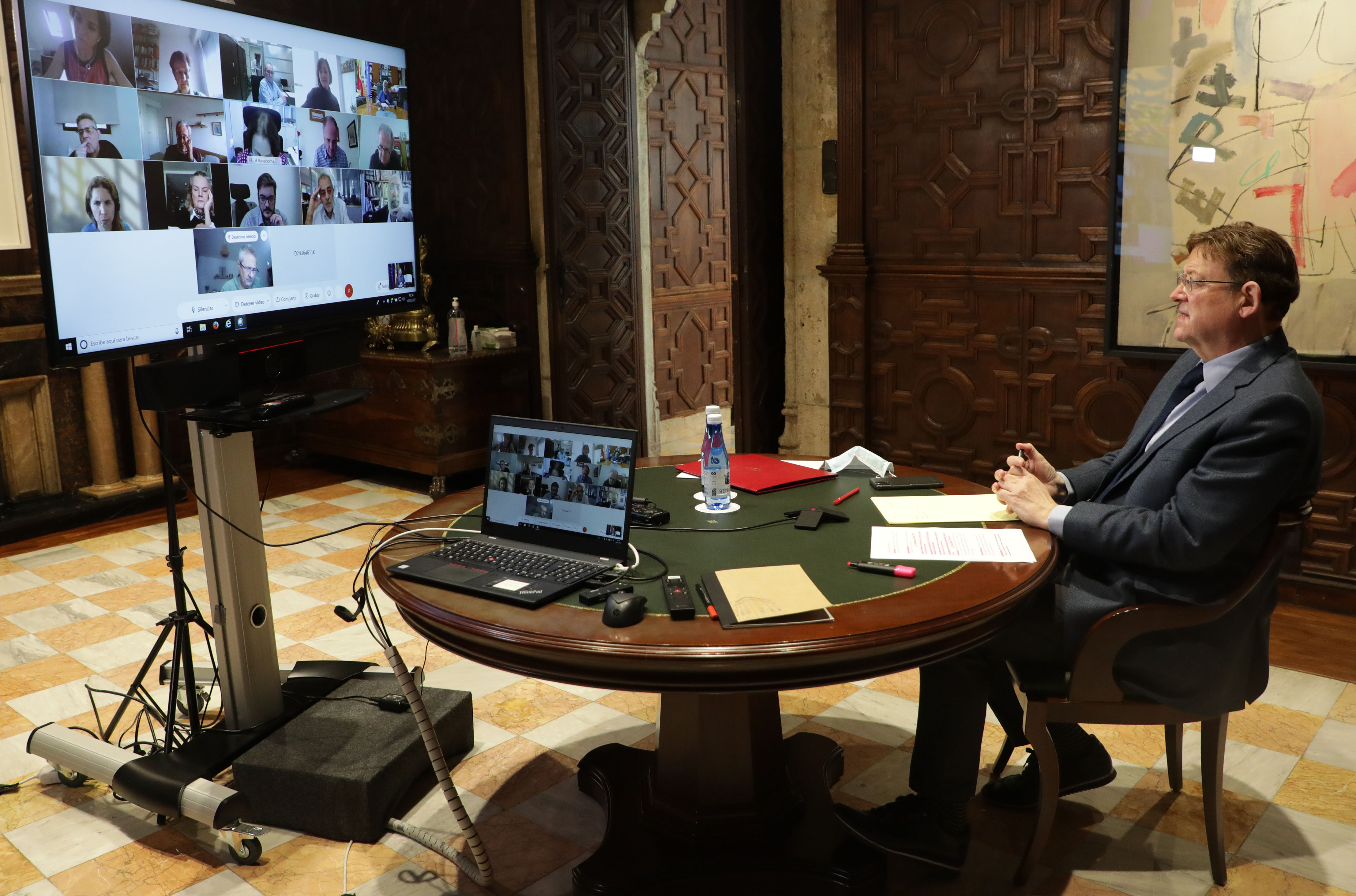 """Ximo Puig es reuneix amb persones expertes per a analitzar l""""evolució de la pandèmia de COVID-19 a la Comunitat Valenciana"""