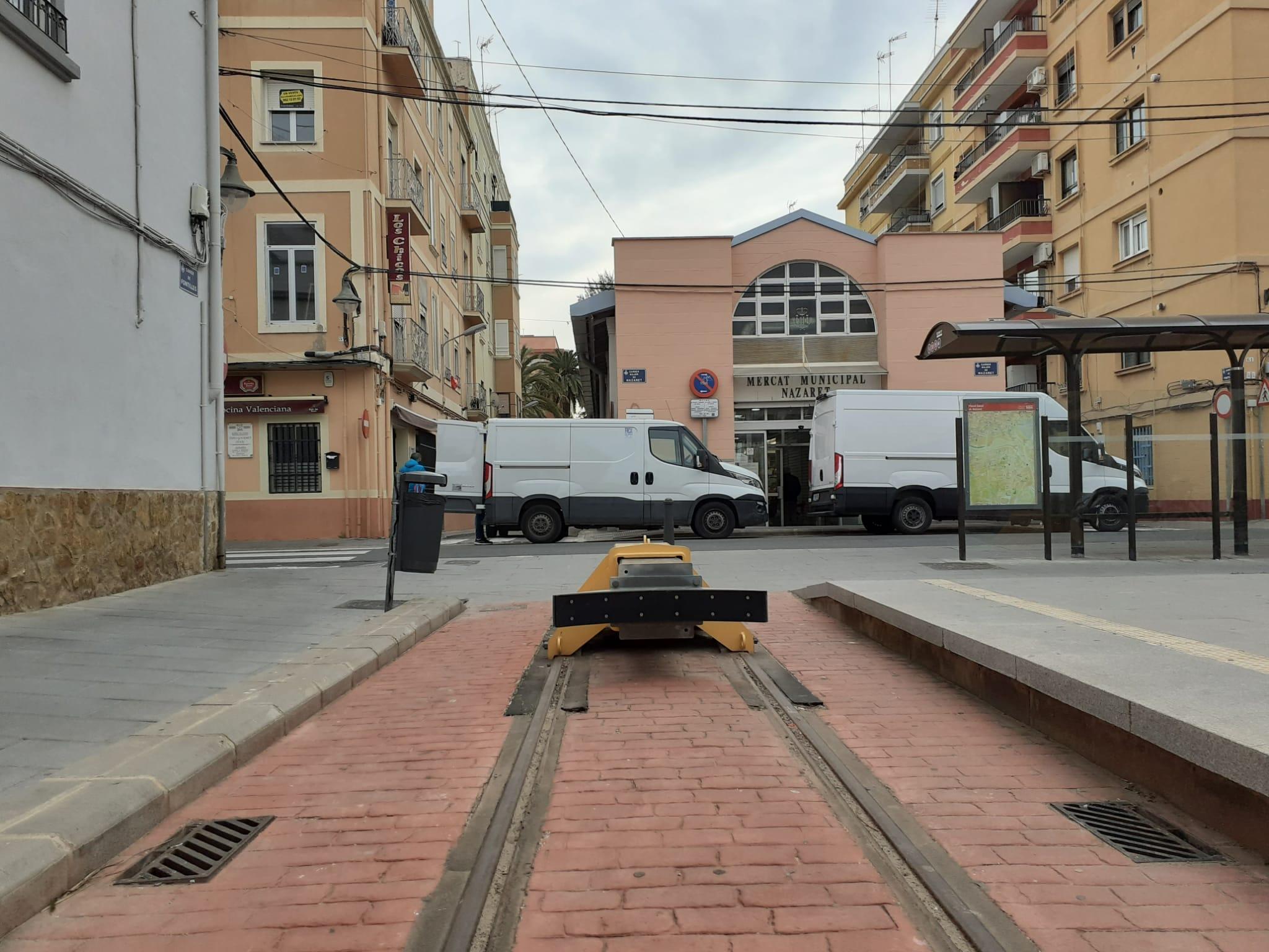 Ferrocarrils de la Generalitat expone a los vecinos y vecinas de Natzaret el proyecto de ampliación de la L10 de Metrovalencia hasta el Grau-Canya...
