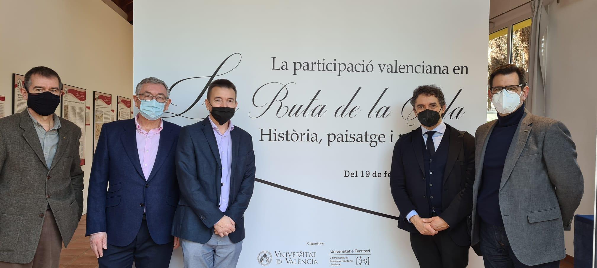 """Colomer visita l""""exposició """"La Ruta de la Seda, història, paisatge i patrimoni"""" al Jardí Botànic de la Universitat de València"""