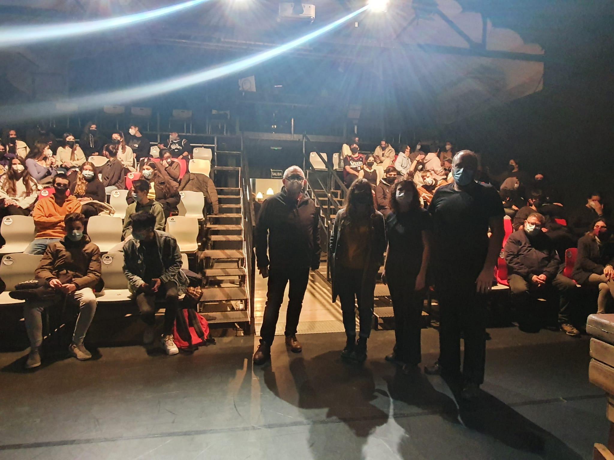 """El director del IVAJ ha asistido a la representación de """"Espill"""" realizada por CRIT Companya de Teatre en Espacio Inestable de València"""