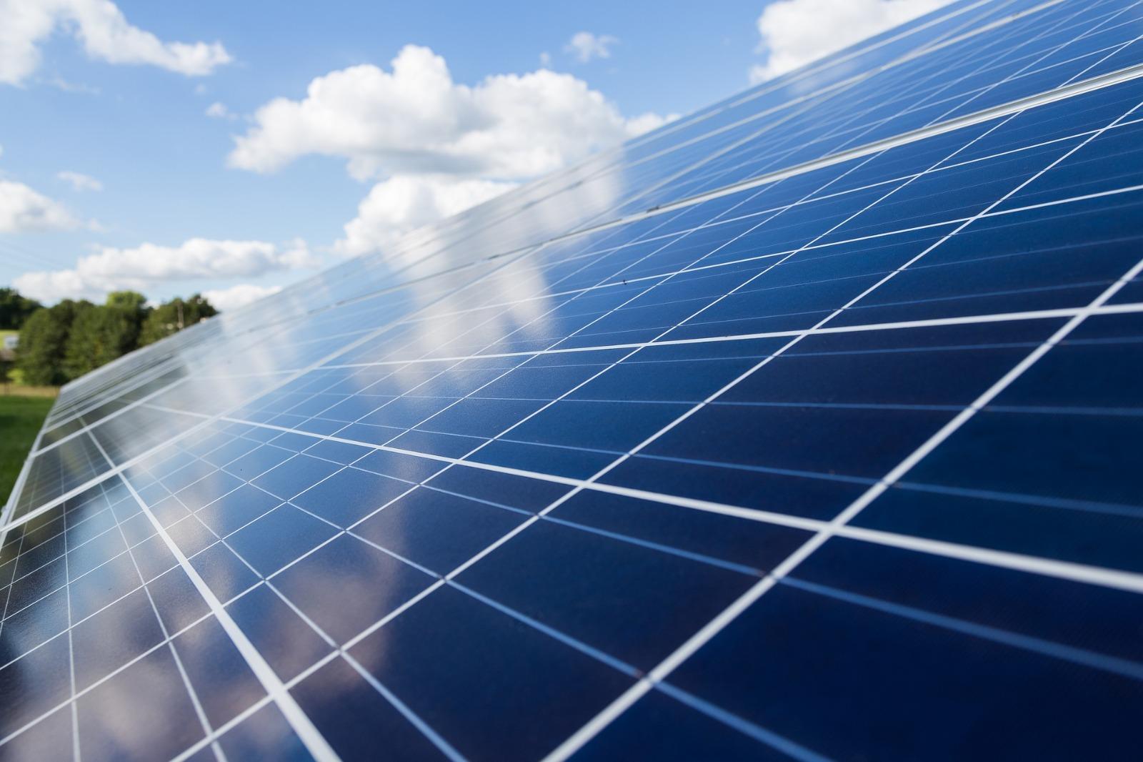 La Conselleria de Política Territorial informa favorablemente sobre la instalación de 5 nuevas plantas fotovoltaicas en la Comunitat Valenciana