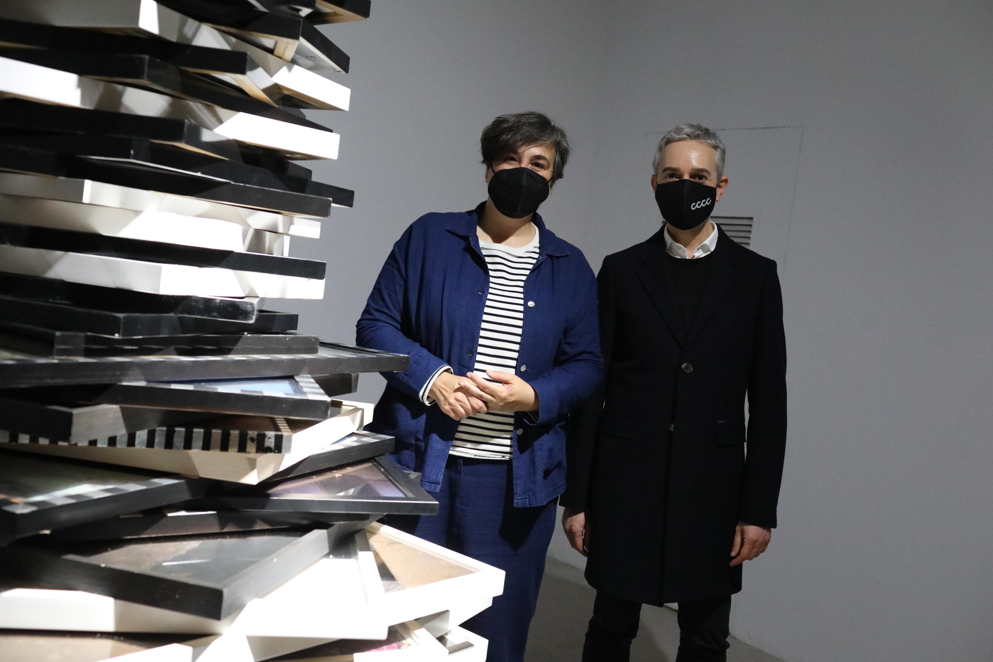 """Las Cigarreras reben la """"filla pròdiga"""" Cristina de Middel que torna a Alacant de la mà del Consorci de Museus"""