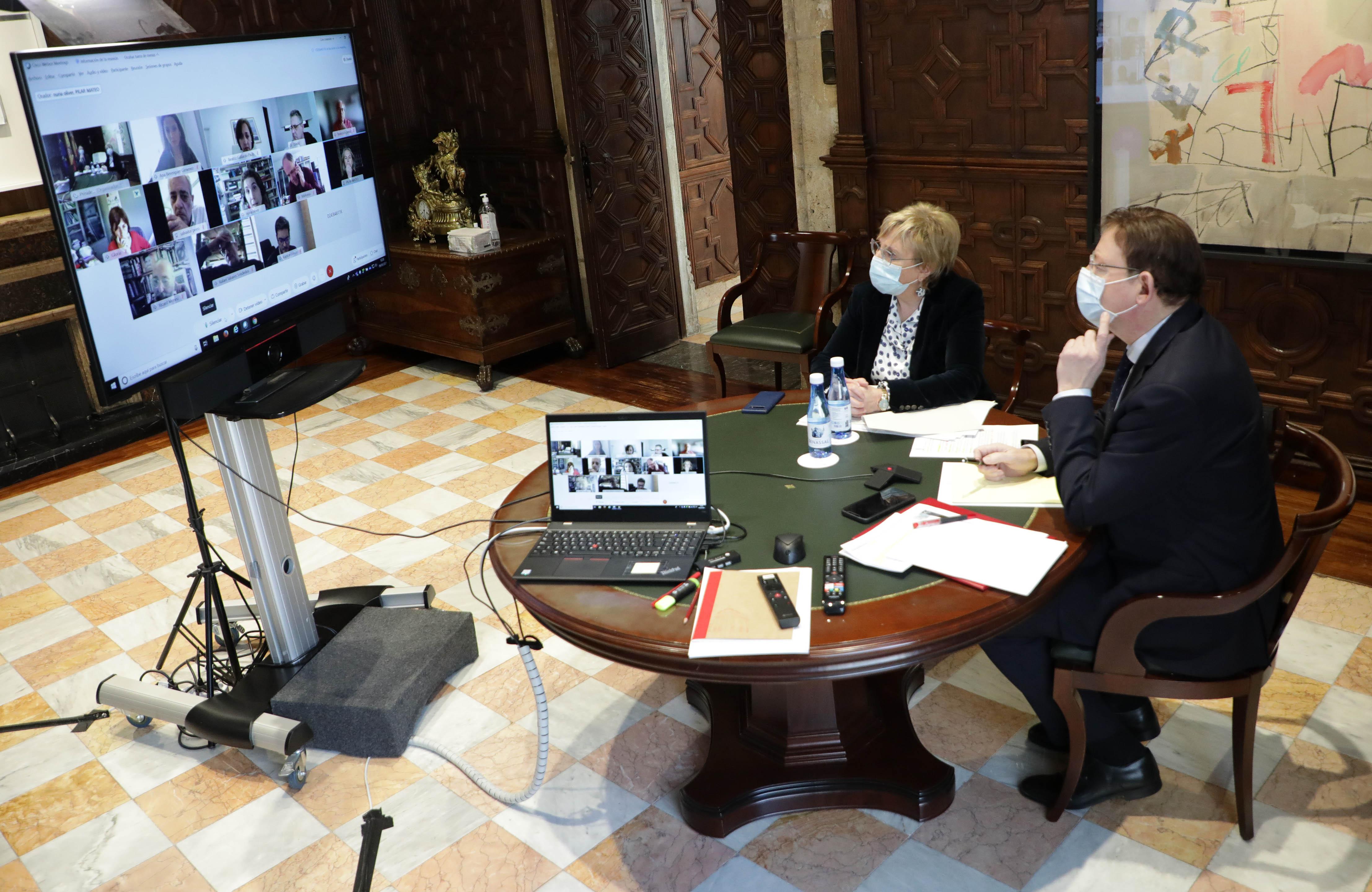 """Ximo Puig manté una reunió amb persones expertes per a analitzar l""""evolució de la pandèmia de coronavirus a la Comunitat Valenciana"""