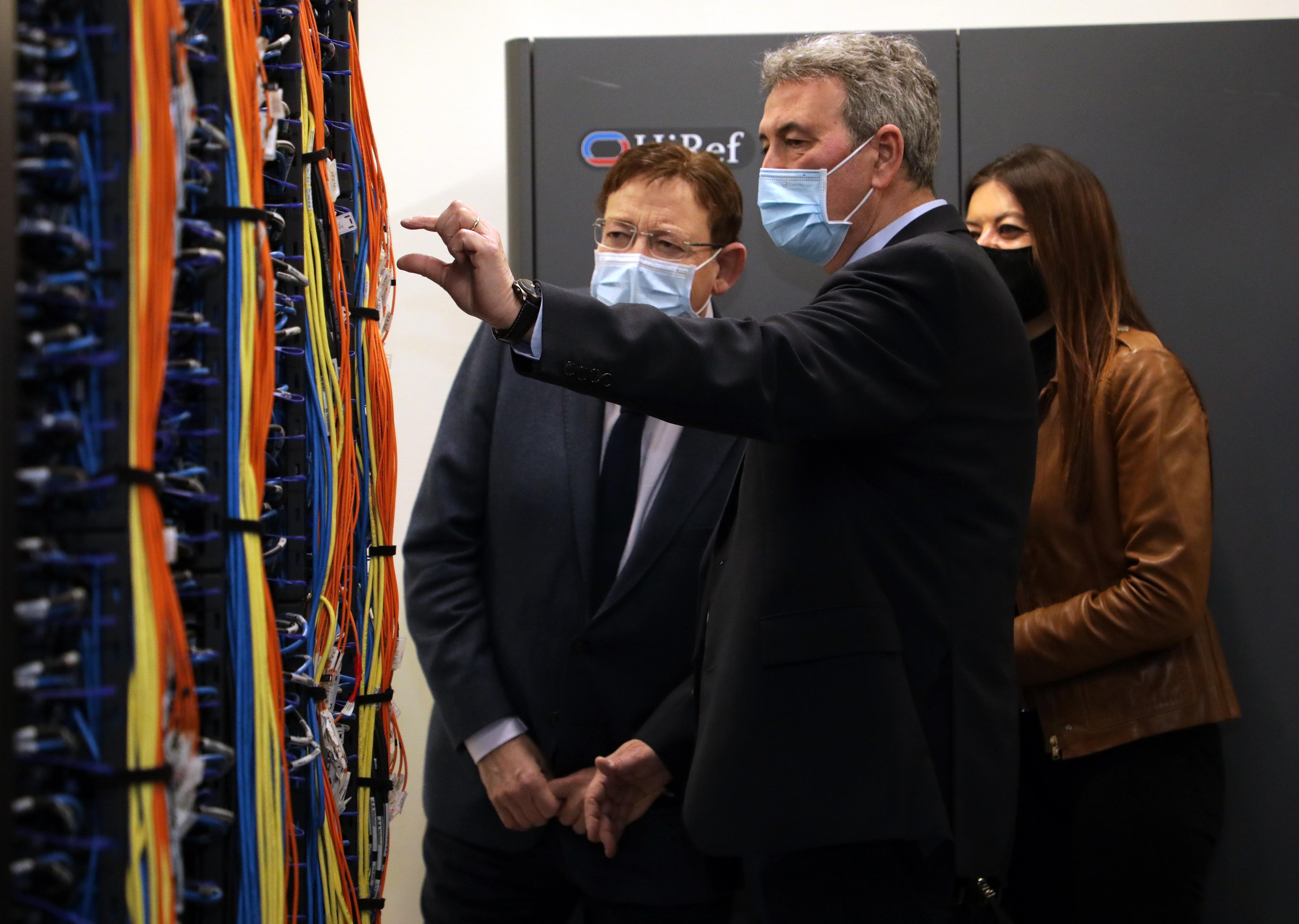 """Ximo Puig destaca el paper """"fonamental"""" de la Universitat de València en la investigació mitjançant simulació computacional per a obtindre antivir..."""