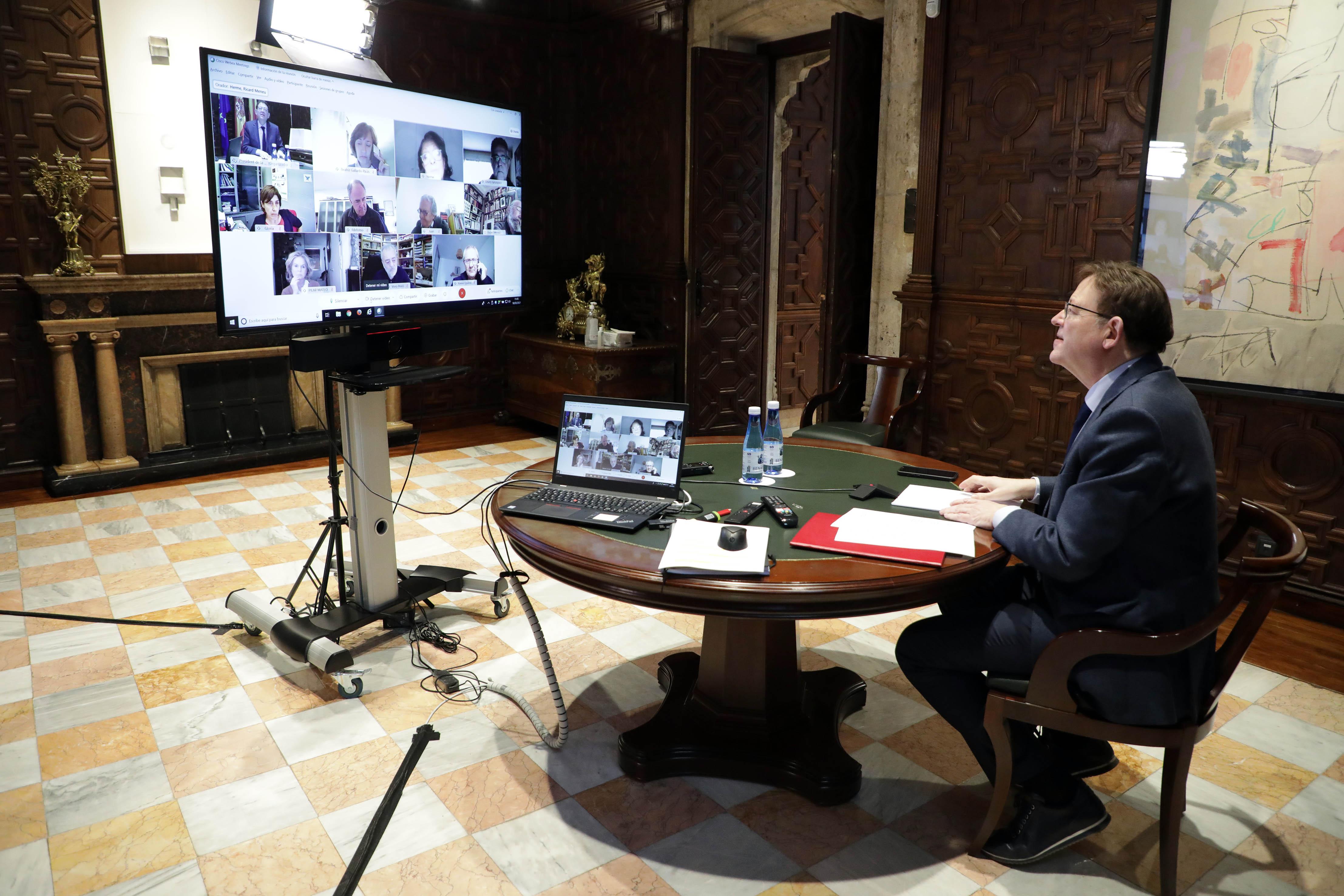 """Ximo Puig es reuneix amb persones expertes per a analitzar l""""evolució de la pandèmia de coronavirus a la Comunitat Valenciana"""