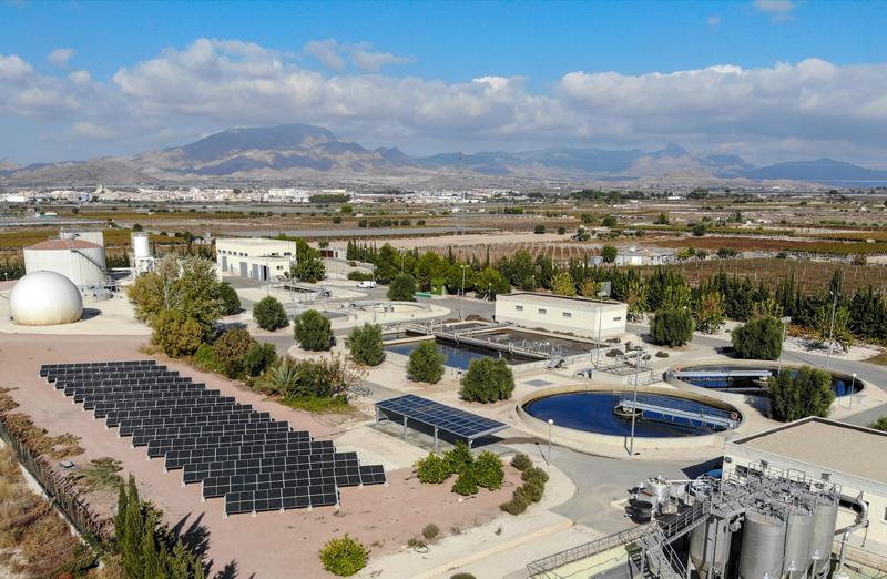 Las placas fotovoltaicas en las depuradoras de la EPSAR cubren 18.533 m2 y reducen 2.200 toneladas de CO2 al año