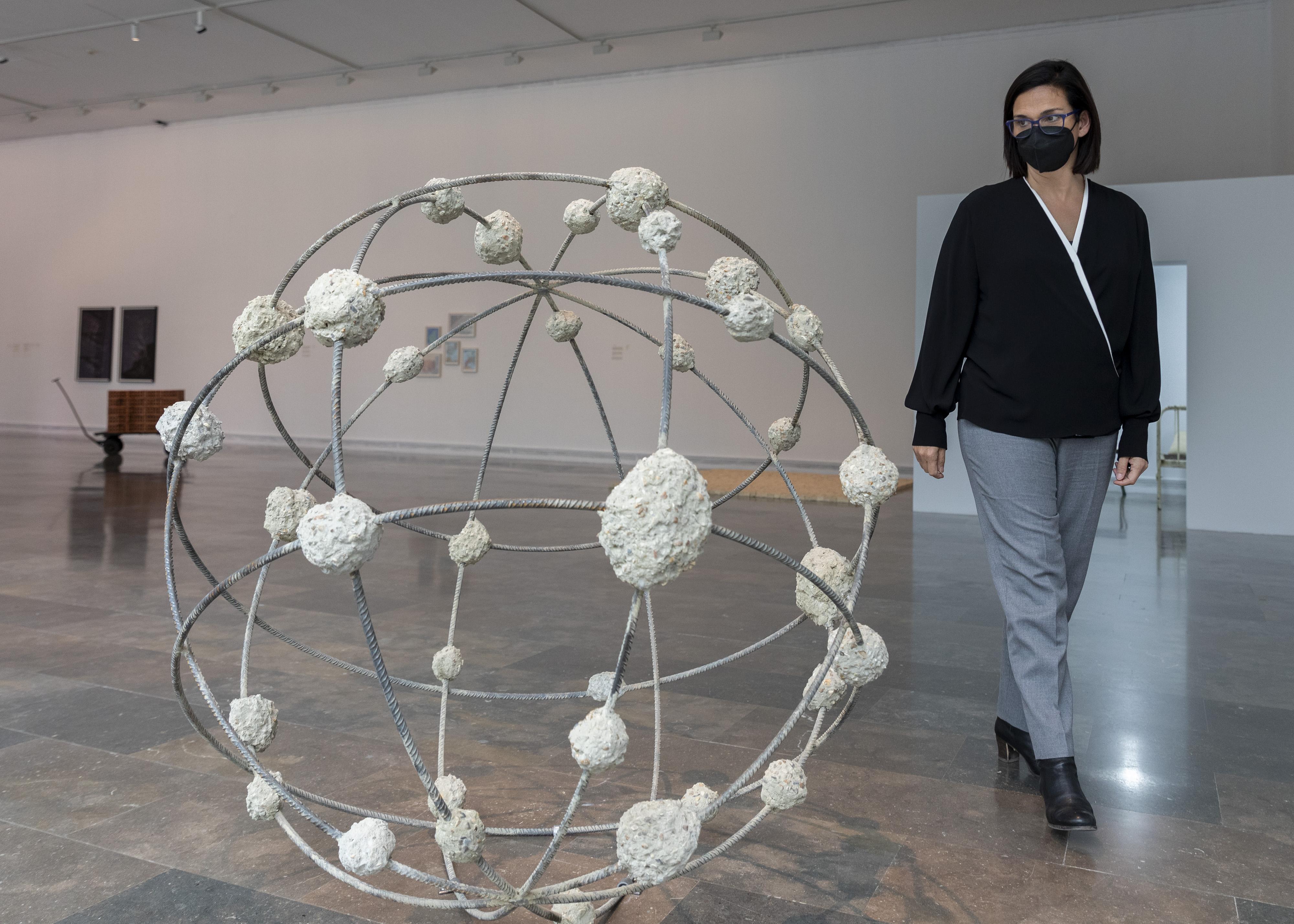 """L""""IVAM presenta l""""exposició dedicada a Mona Hatoum, guardonada amb el Premi Julio González 2020"""