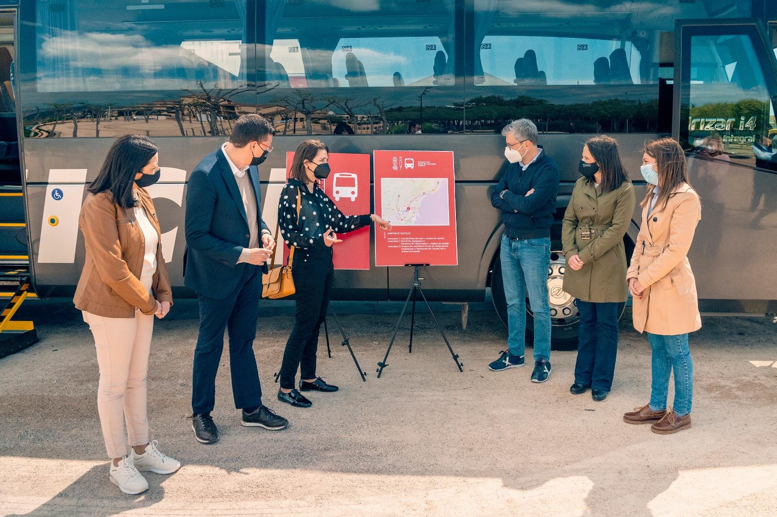 La Generalitat pone en marcha un servicio de autobuses gratuito para facilitar el acceso al punto de vacunación del Palacio de Congresos de Castel...