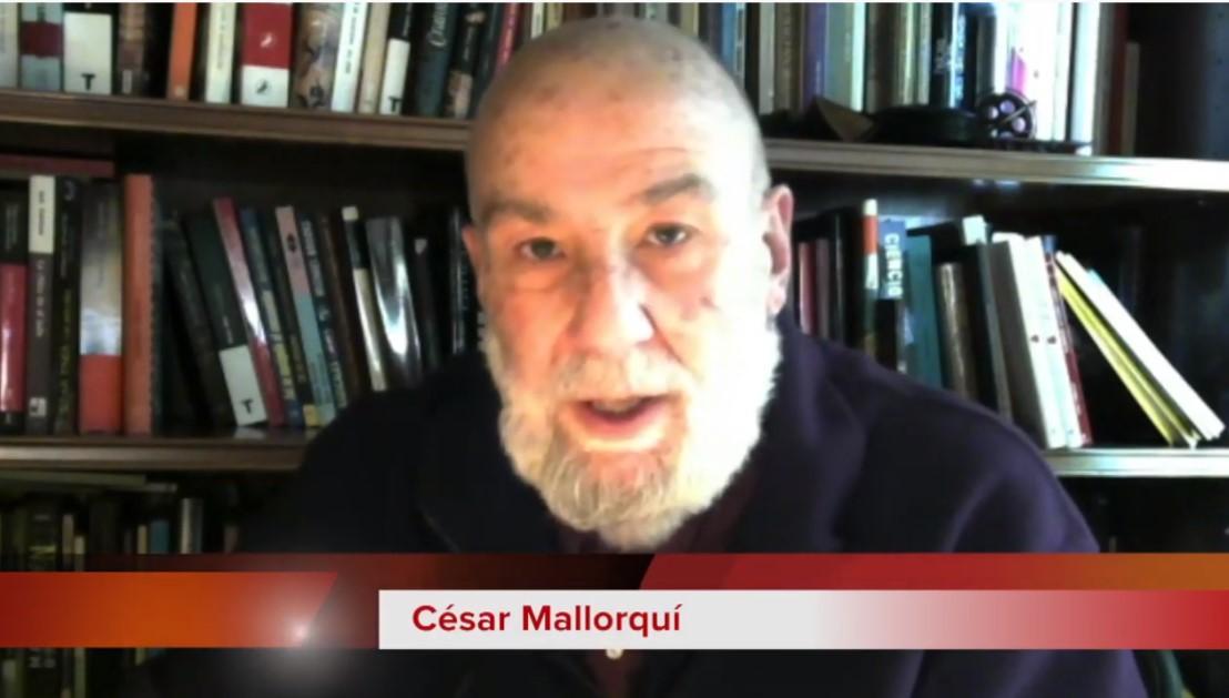 """El escritor César Mallorquí recomienda a jóvenes escritores y escritorias en la Biblioteca Valenciana """"paciencia, perseverancia y reflexión"""""""