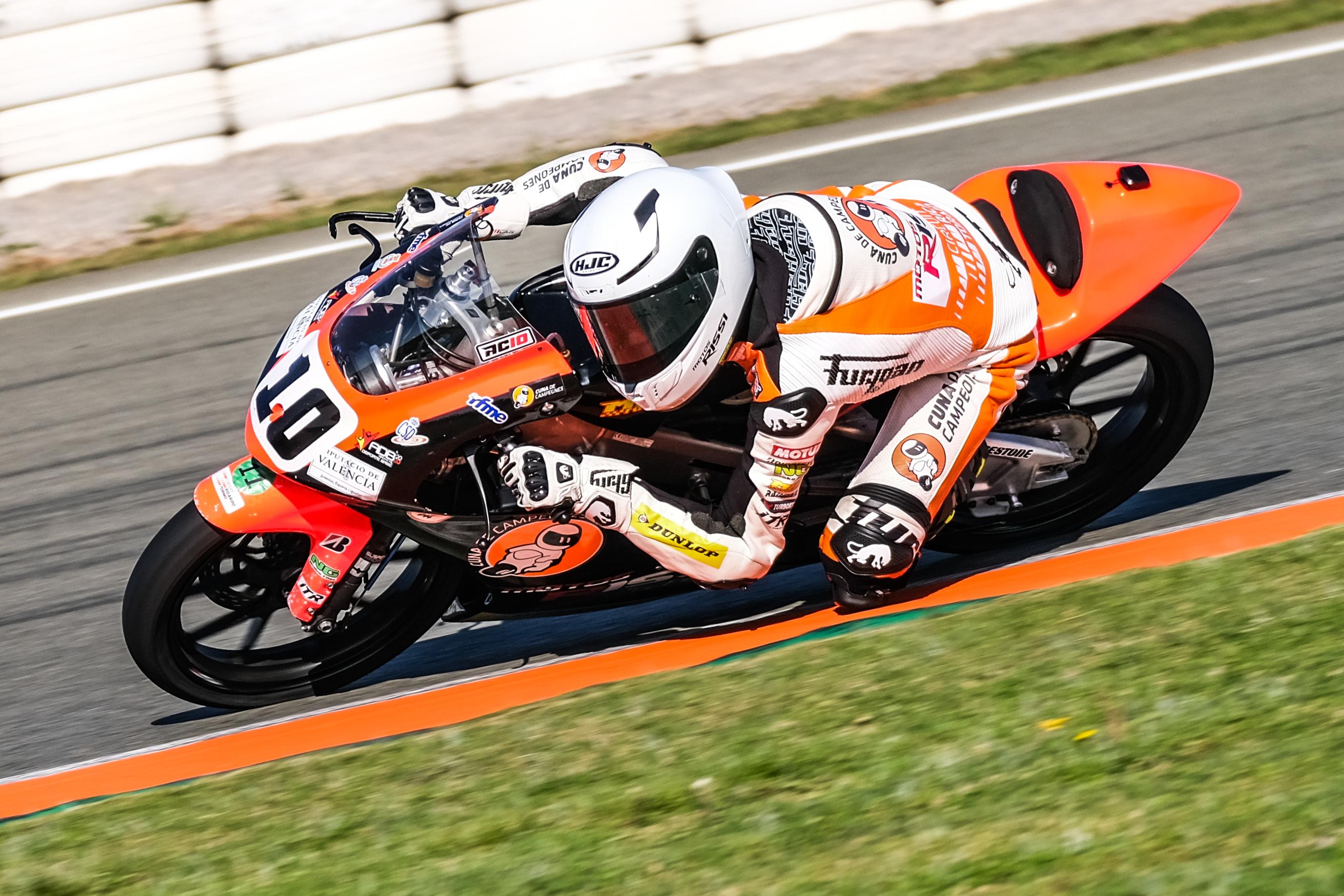 Un total de 145 pilotos participan en el FIM CEV Repsol en el Circuit Ricardo Tormo