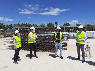 El director general de Infraestructuras Educativas y el alcalde de Sagunto visitan la obra del nuevo IES N.º 5