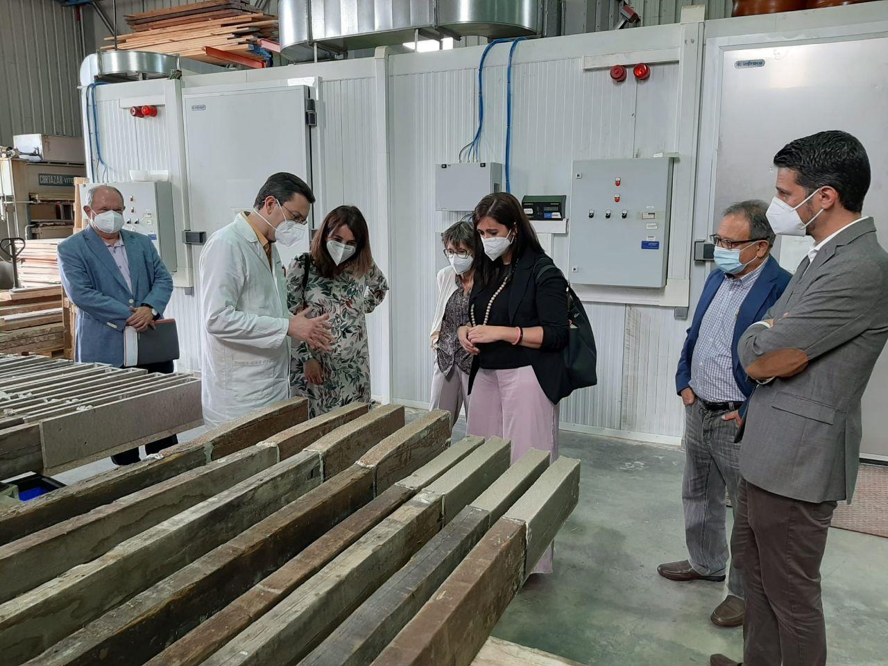 La Conselleria de Vivienda y Arquitectura Bioclimática visita el Instituto Tecnológico AIDIMME