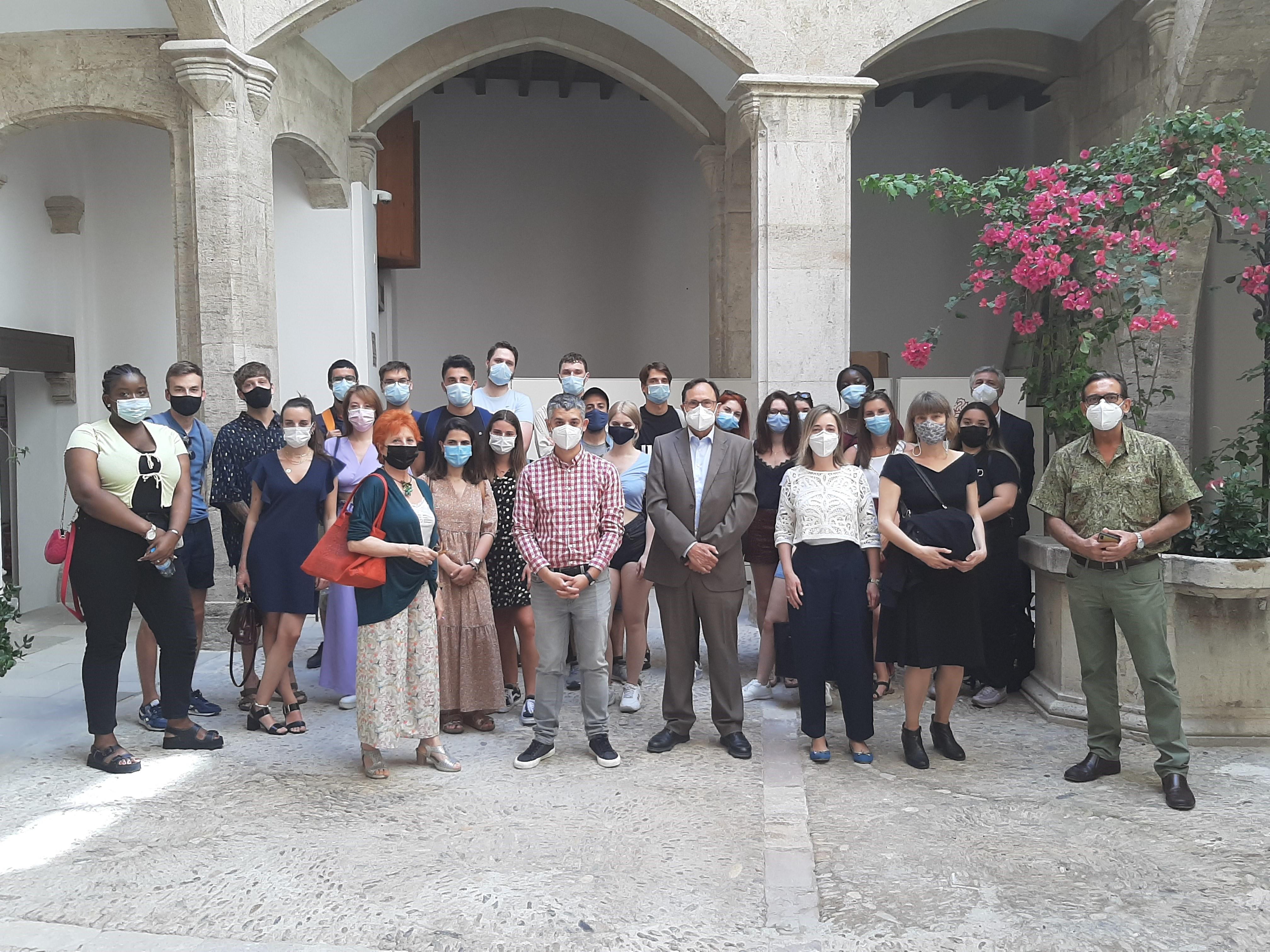 Vicent Soler recibe a 23 jóvenes europeos que harán prácticas en entidades de la Comunitat Valenciana gracias al programa Eurodisea