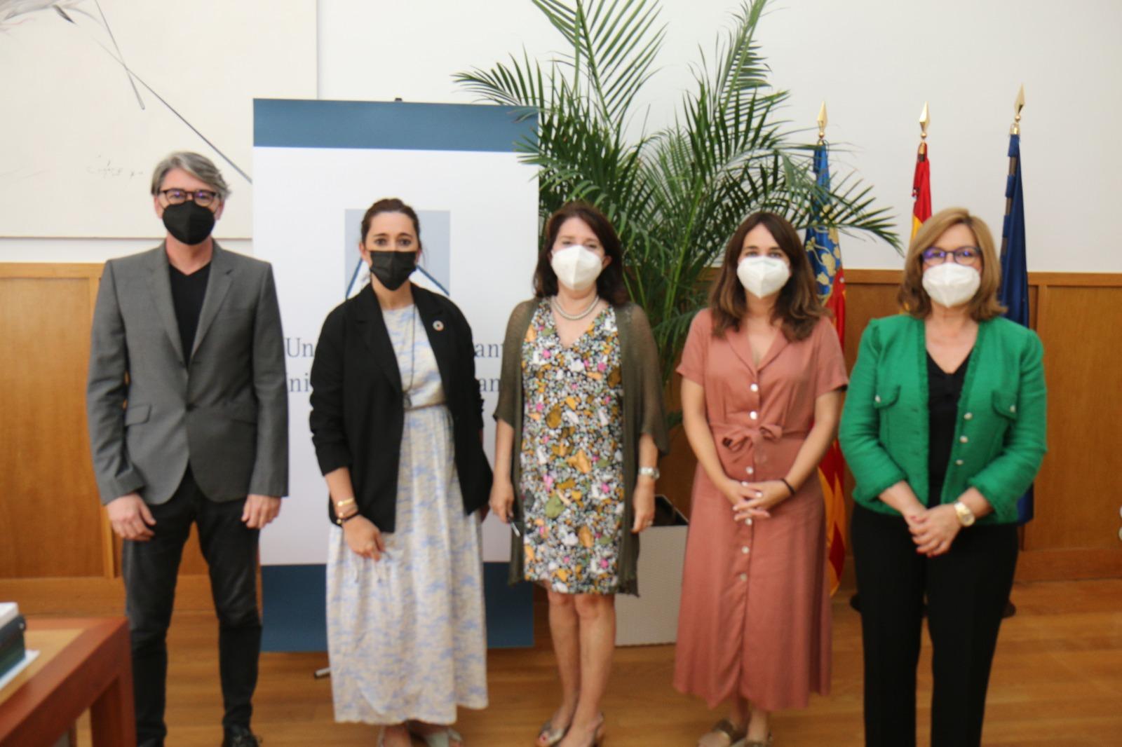 La Conselleria de Vivienda renueva el convenio de la Cátedra de Arquitectura Sostenible con la Universidad de Alicante