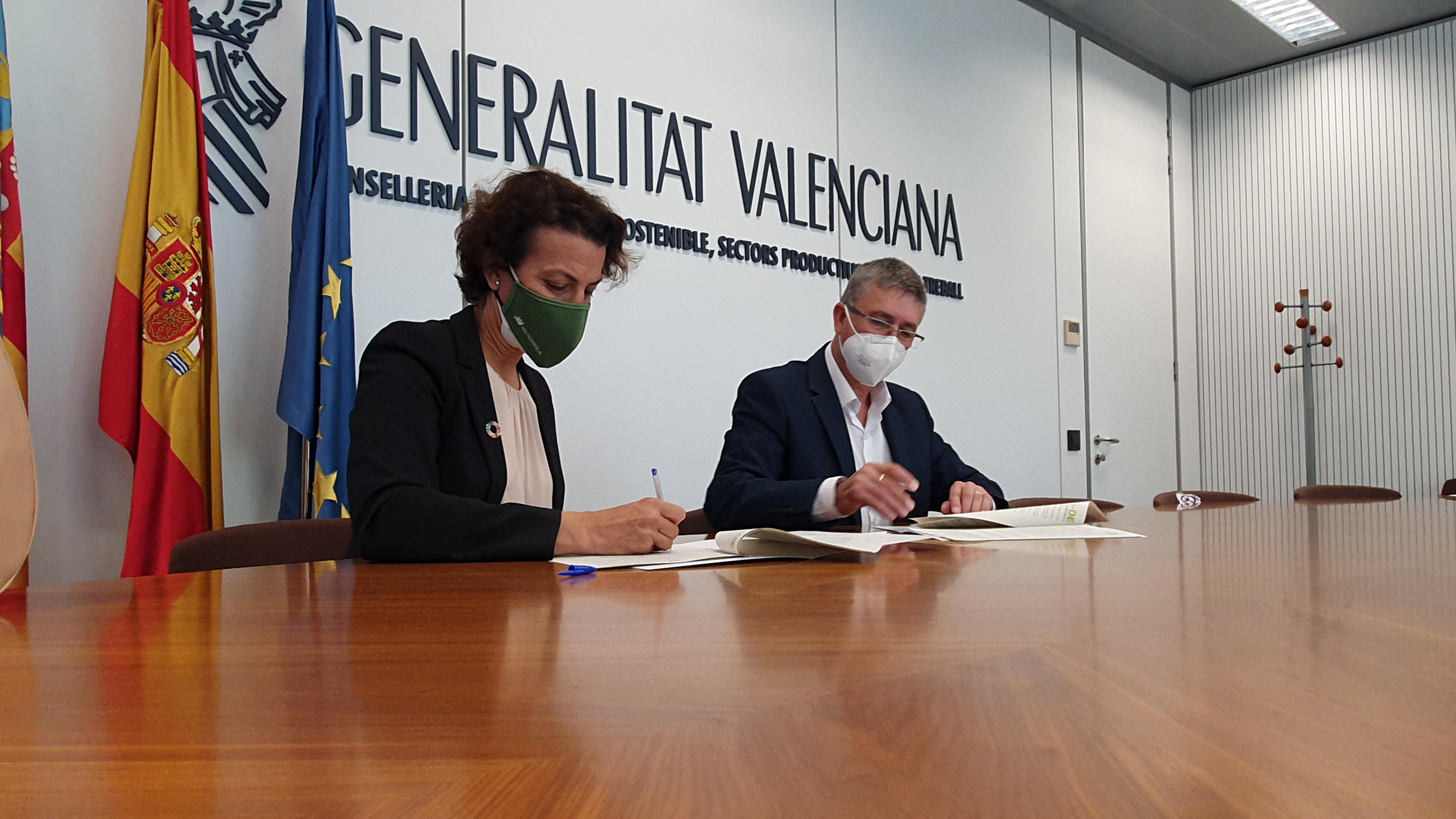 """L""""Ivace i Iberdrola signen un acord per a fomentar la integració de les Comunitats Energètiques Locals en la xarxa de distribució"""