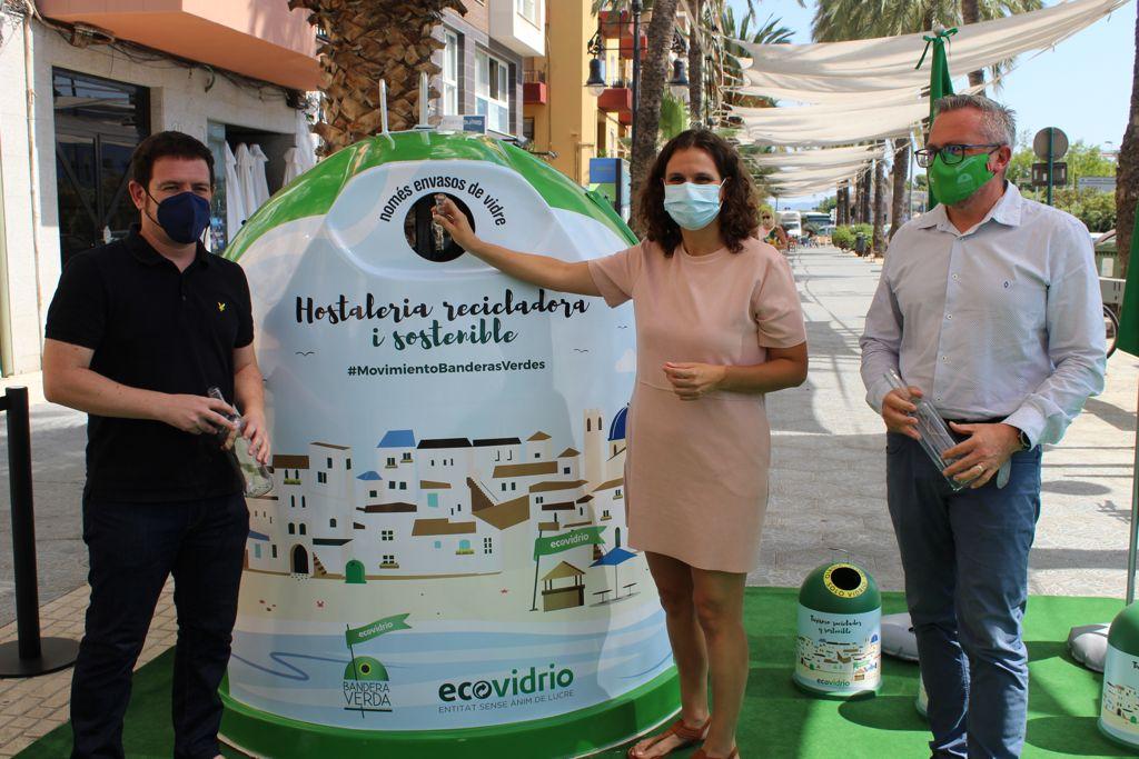 La secretaria autonómica de Transición Ecológica, Paula Tuzón, valora el ahorro de emisiones de CO2 y recursos que implica la Economía Circular
