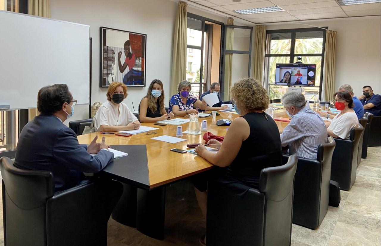 La Comisión de Diálogo Social del Sector Público Instrumental revisa sus acuerdos sobre reducción de la temporalidad