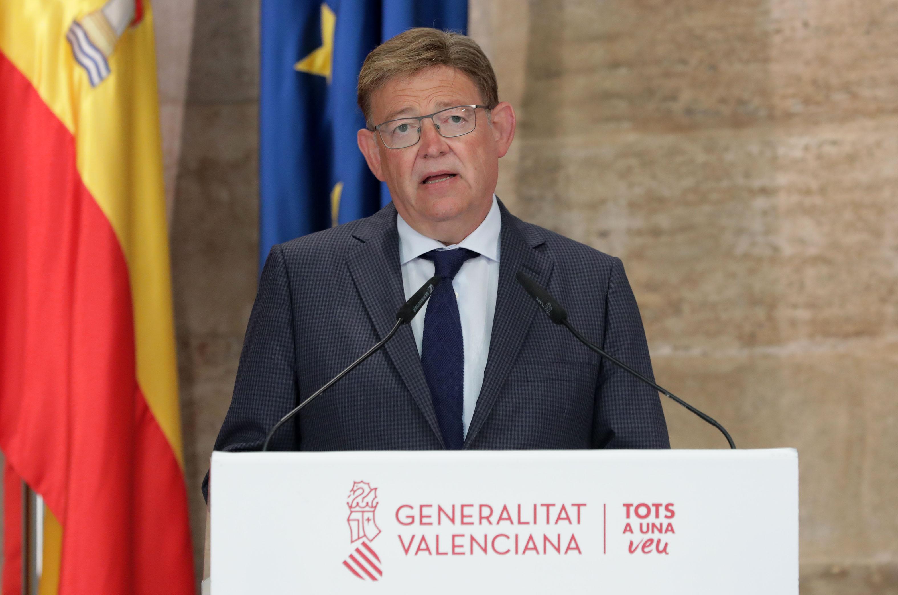 """Ximo Puig anuncia limitacions de la mobilitat nocturna en 68 municipis, en l""""hostaleria i les reunions socials per a reduir al màxim la incidència..."""