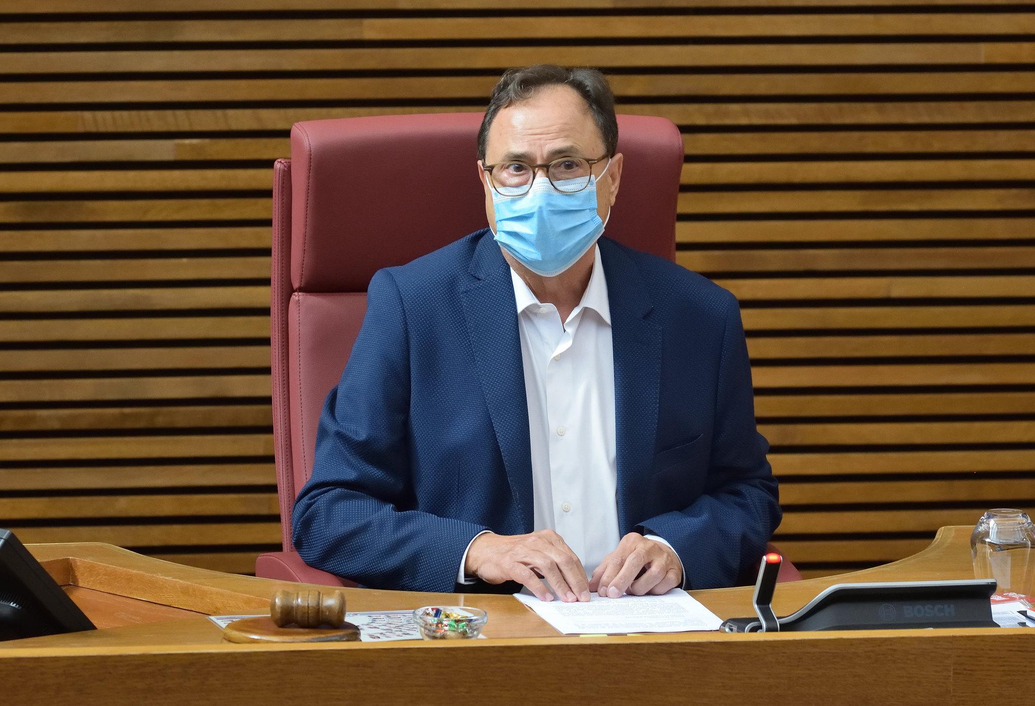 """El Consell defensa a les Corts l""""ampliació del Pla Resistir Plus a tots els sectors econòmics """"per a no deixar ningú arrere"""""""
