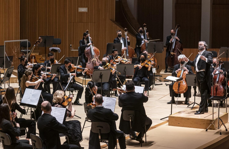 """L""""Orquestra de la Comunitat Valenciana interpreta obres de Kaija Saariaho en el seu debut en Ensems sota la direcció de Juanjo Mena"""