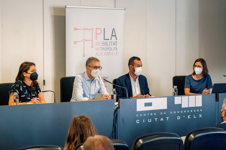 La Generalitat propone conectar Alicante y Elche mediante un nuevo servicio de autobús de alta capacidad