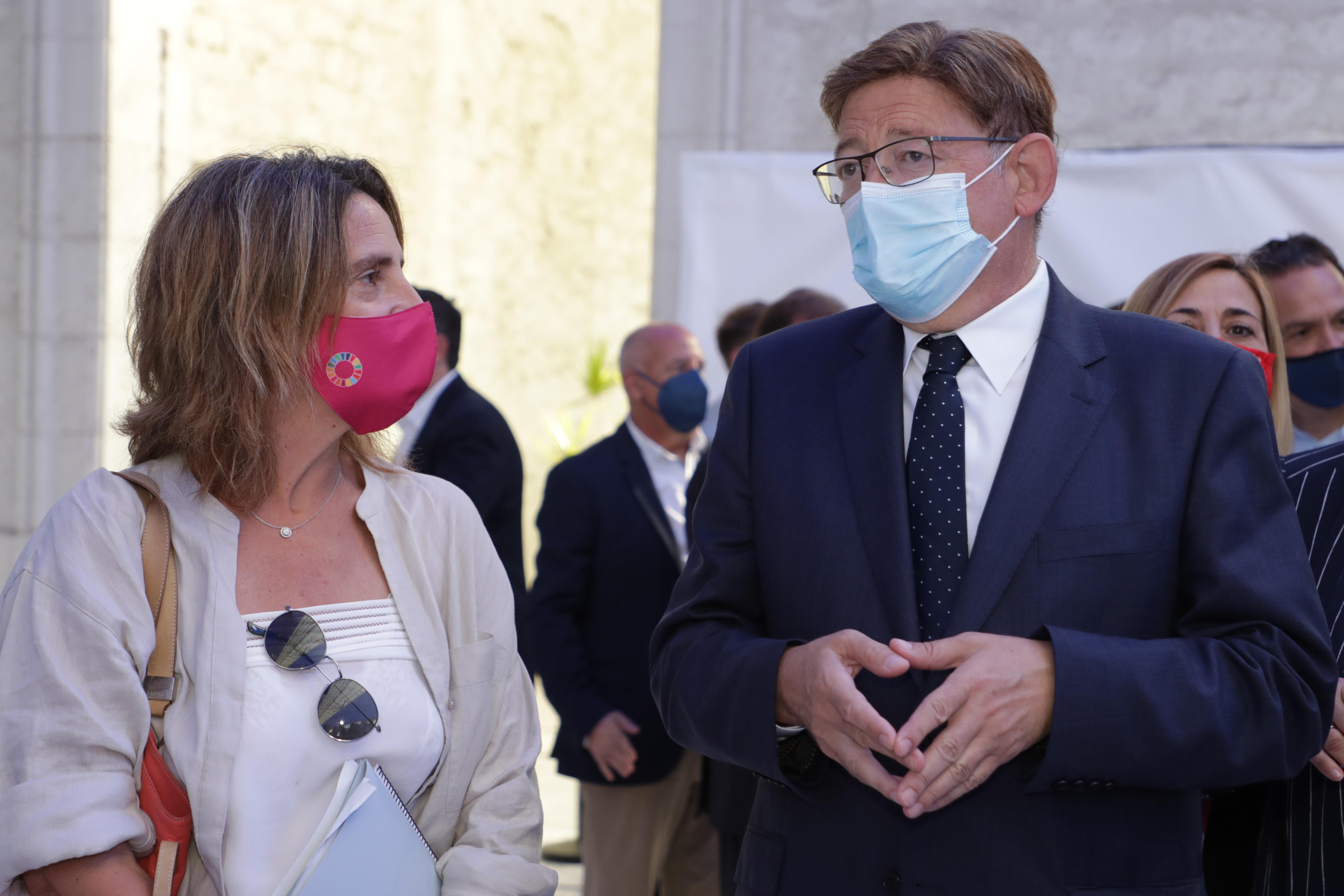 """Ximo Puig asiste al coloquio """"Transición ecológica e inclusión: un reto y una oportunidad de país"""" con Teresa Ribera"""
