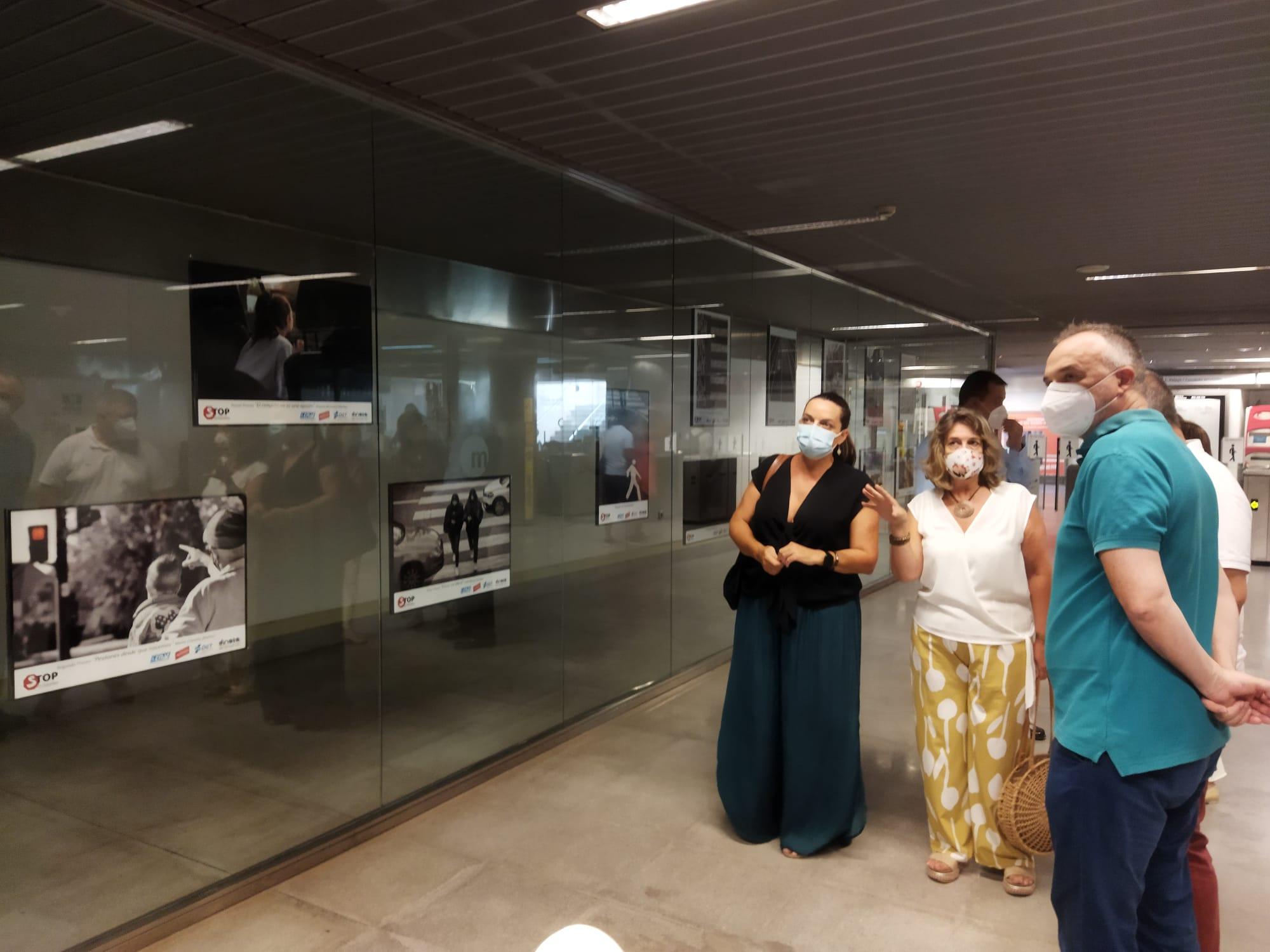"""Ferrocarrils de la Generalitat y Stop Accidentes presentan en la estación de Bailén de Metrovalencia la exposición """"Peatón no atravieses tu vida"""""""