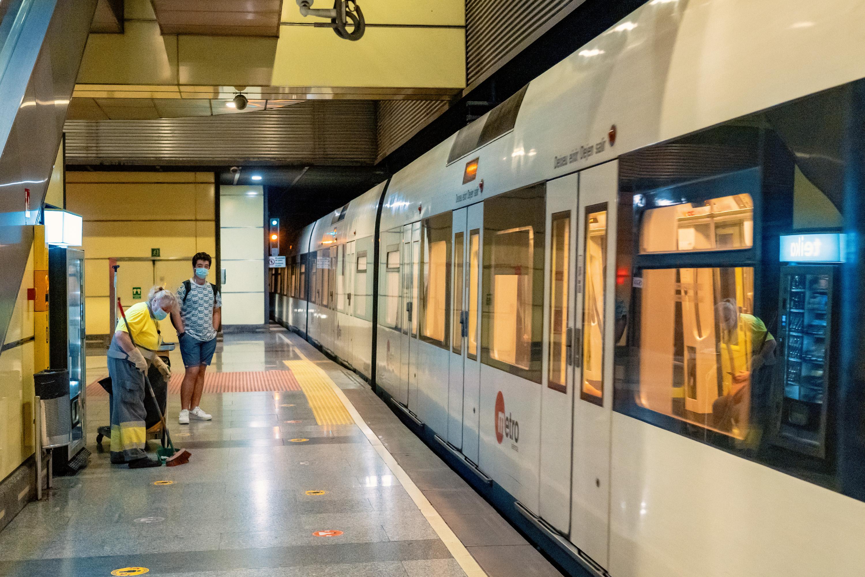 Ferrocarrils de la Generalitat licita por 35 millones los servicios de limpieza de las instalaciones y trenes de València y Alicante
