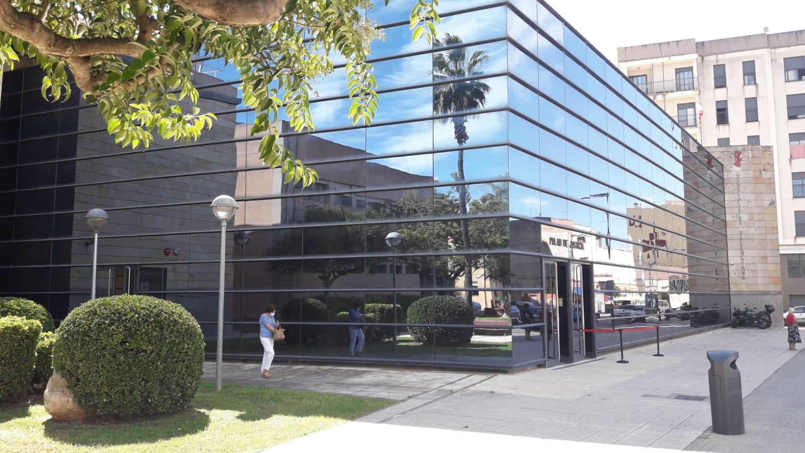 Justicia inicia las obras de renovación de iluminación y climatización en la sede judicial de Vinaròs para mejorar la eficiencia energética